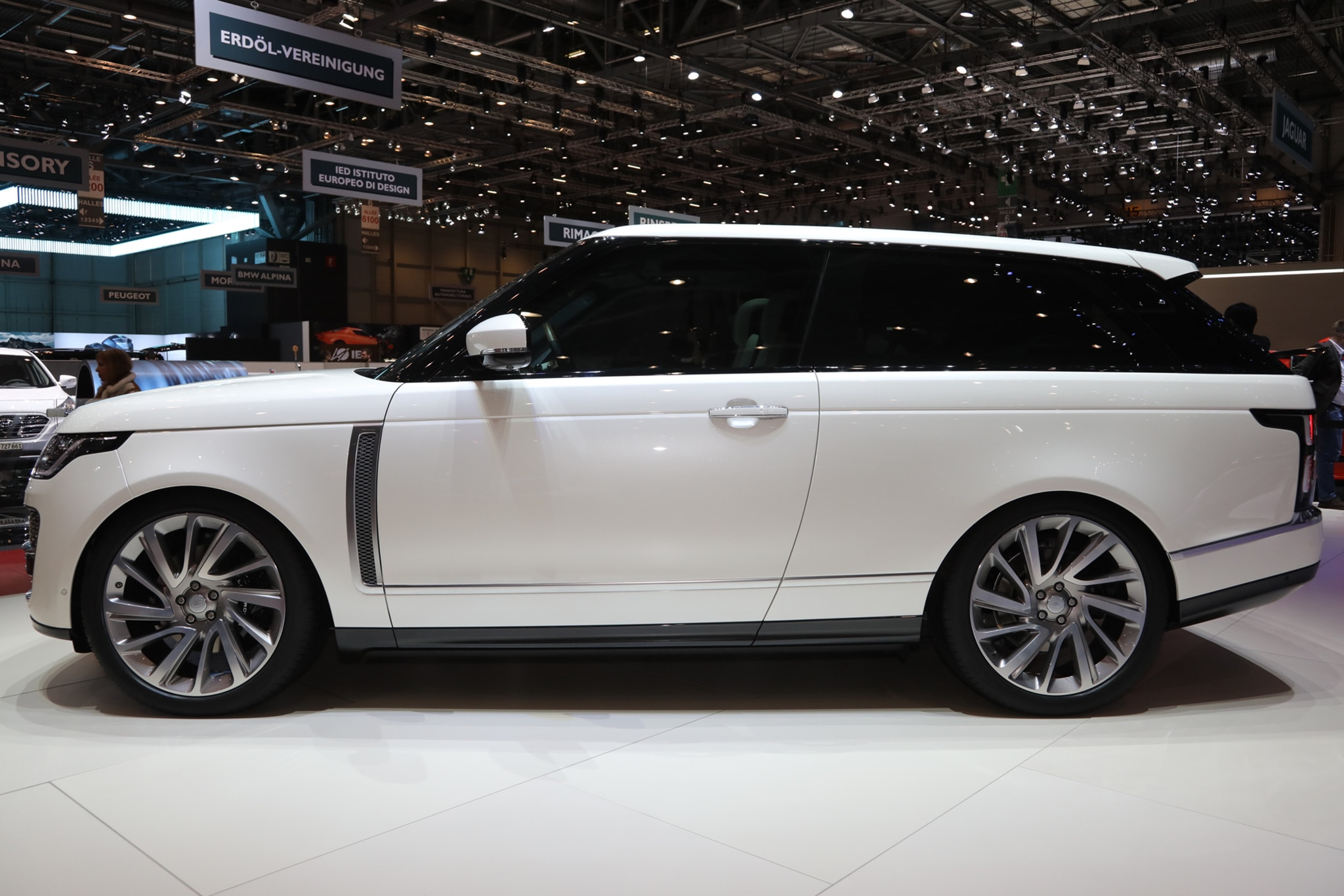 Range Rover SV Coupe 05