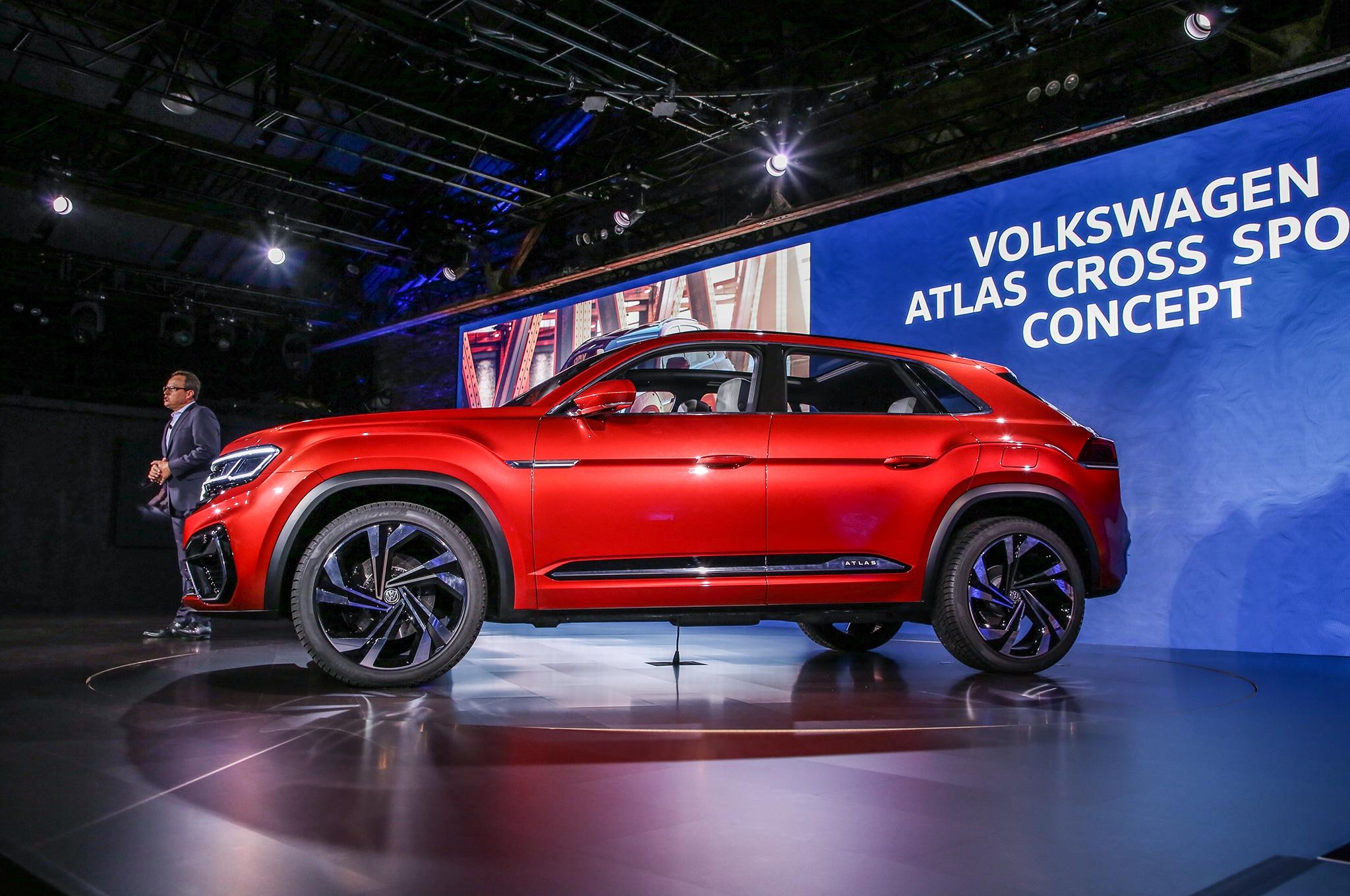 volkswagen atlas cross sport concept previews  row midsizer automobile magazine