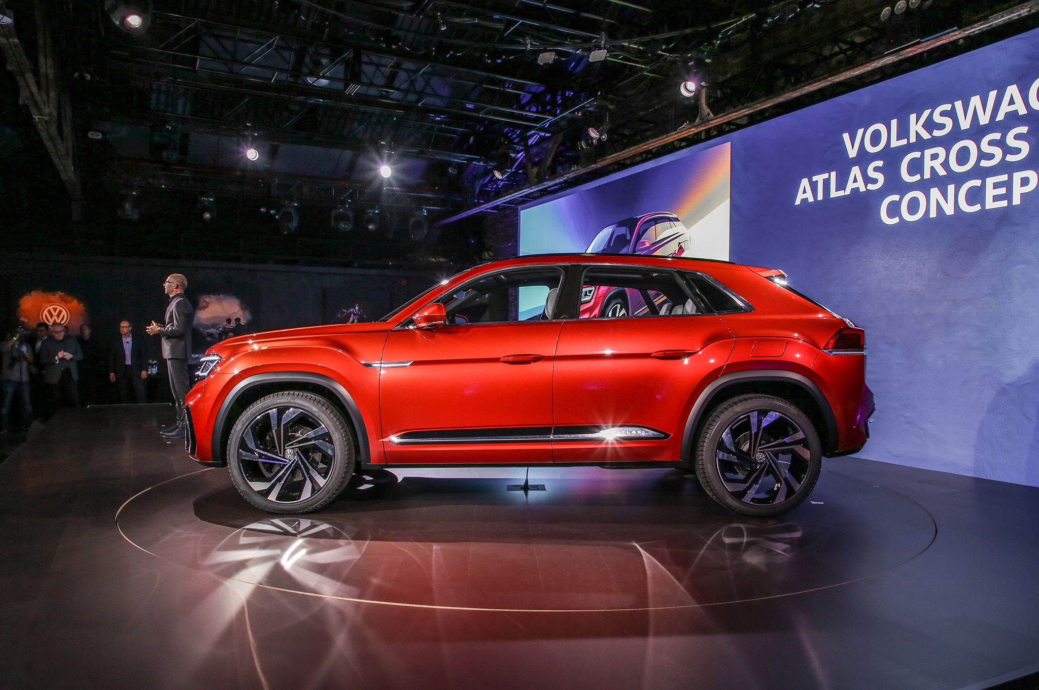 Volkswagen Atlas Cross Sport Concept Previews Two Row