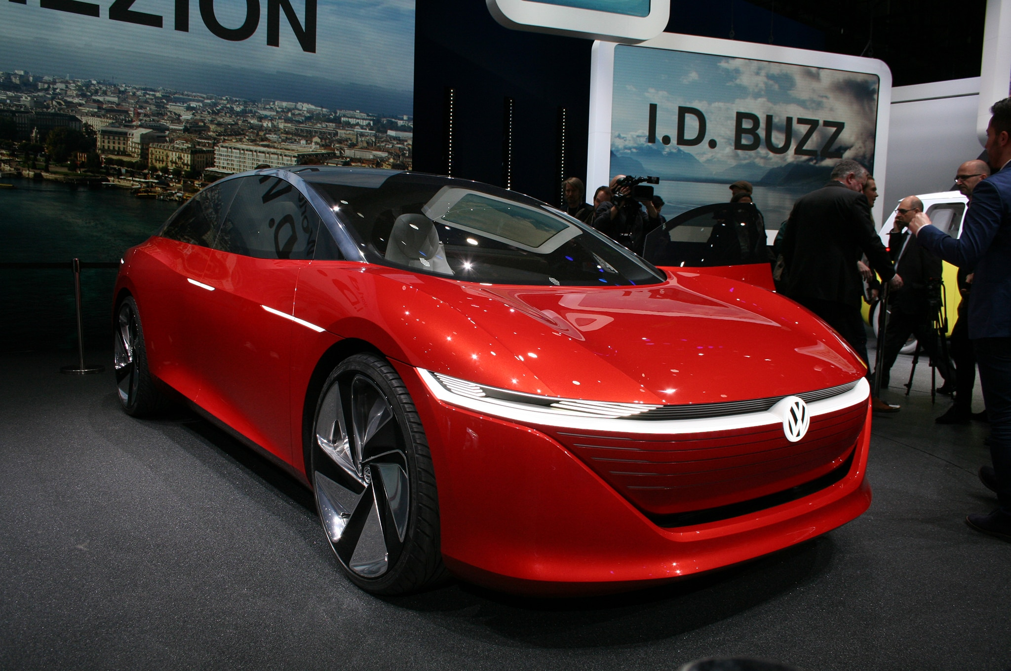Volkswagen ID VIZZION Concept Front Three Quarter 01