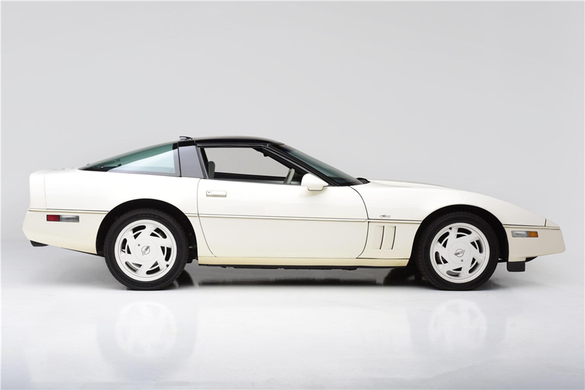 1988 Chevrolet Corvette 35th Anniversary Edition Side