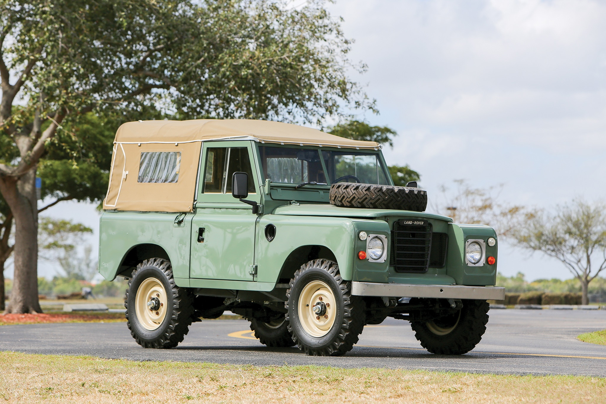 1973 Land Rover 88 Series III