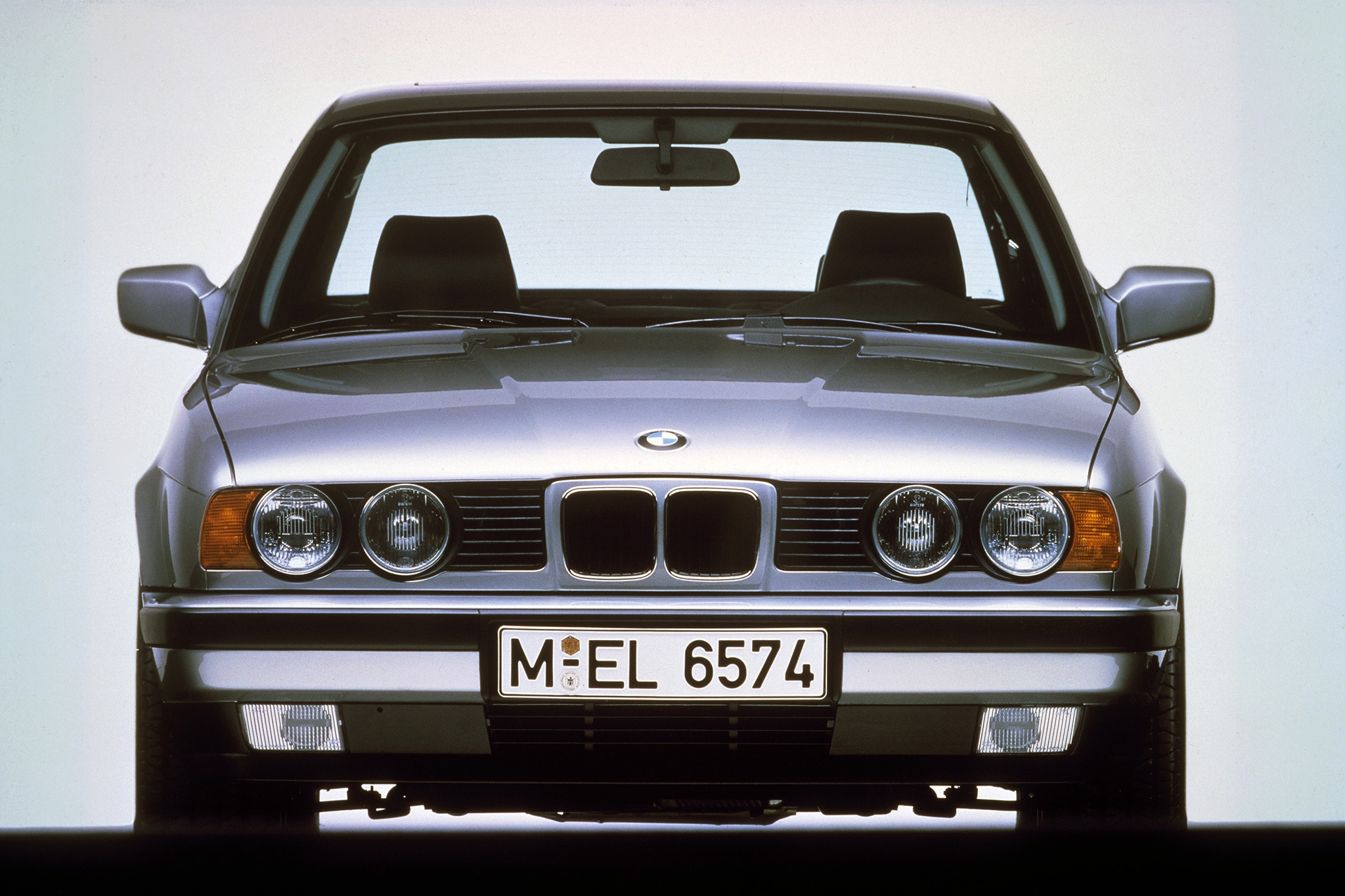 BMW M5 1991-1993  Carpet Dash Board Cover Mat Grey