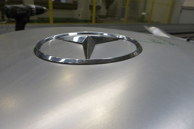 Mercedes benz classic offers gullwing body parts for Mercedes benz classic parts