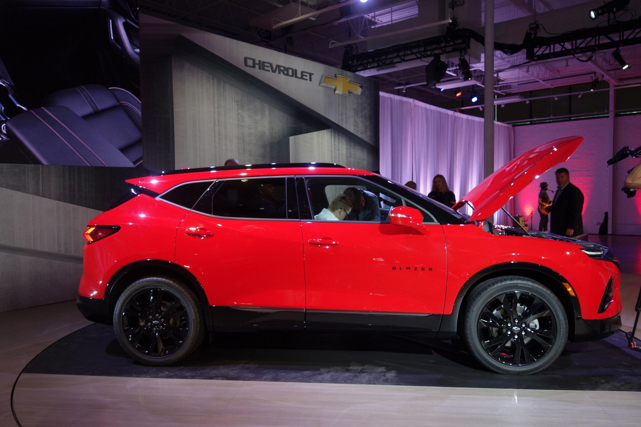 The Big 2019 Chevrolet Blazer Photo Gallery | Automobile ...