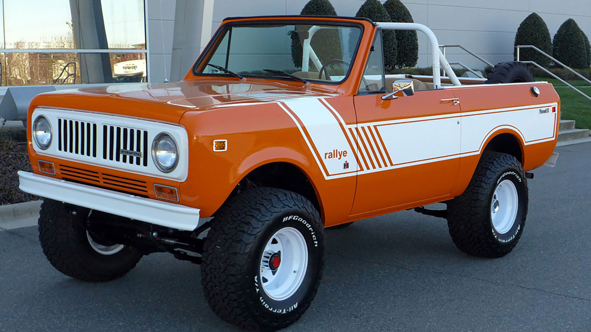 Four Affordable Classic SUVs and Off-Roaders at Barrett-Jackson Palm