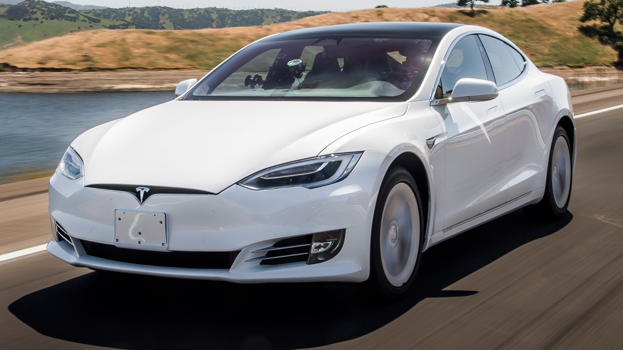 The Updated Tesla Model S Really Can Go 370 Miles on a ...