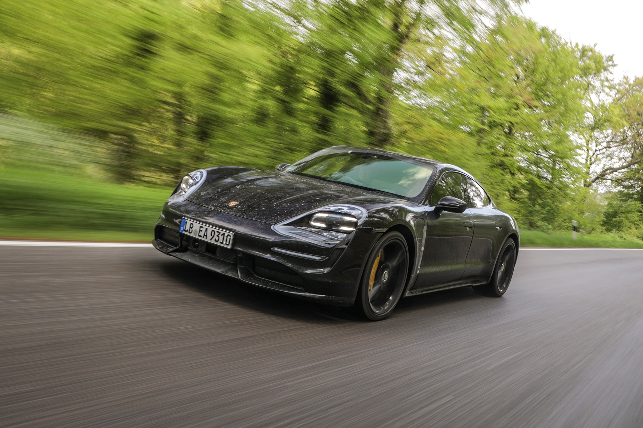 2020 Porsche Taycan Turbo Review: It Redefines Speed