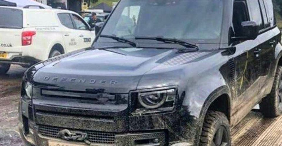 Future Cars 2020 >> 2020 Land Rover Defender: Here's Another Undisguised Look ...