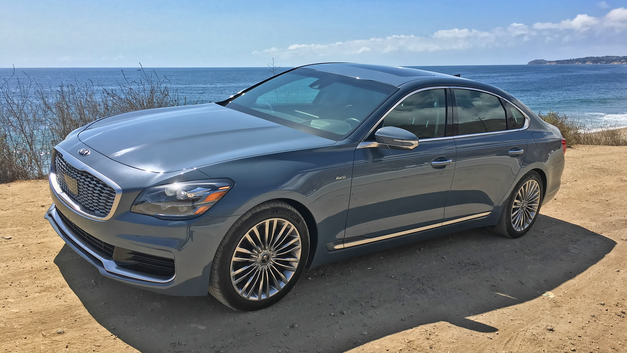 2019 Kia K900 Review: It's a Big Step Up | Automobile Magazine
