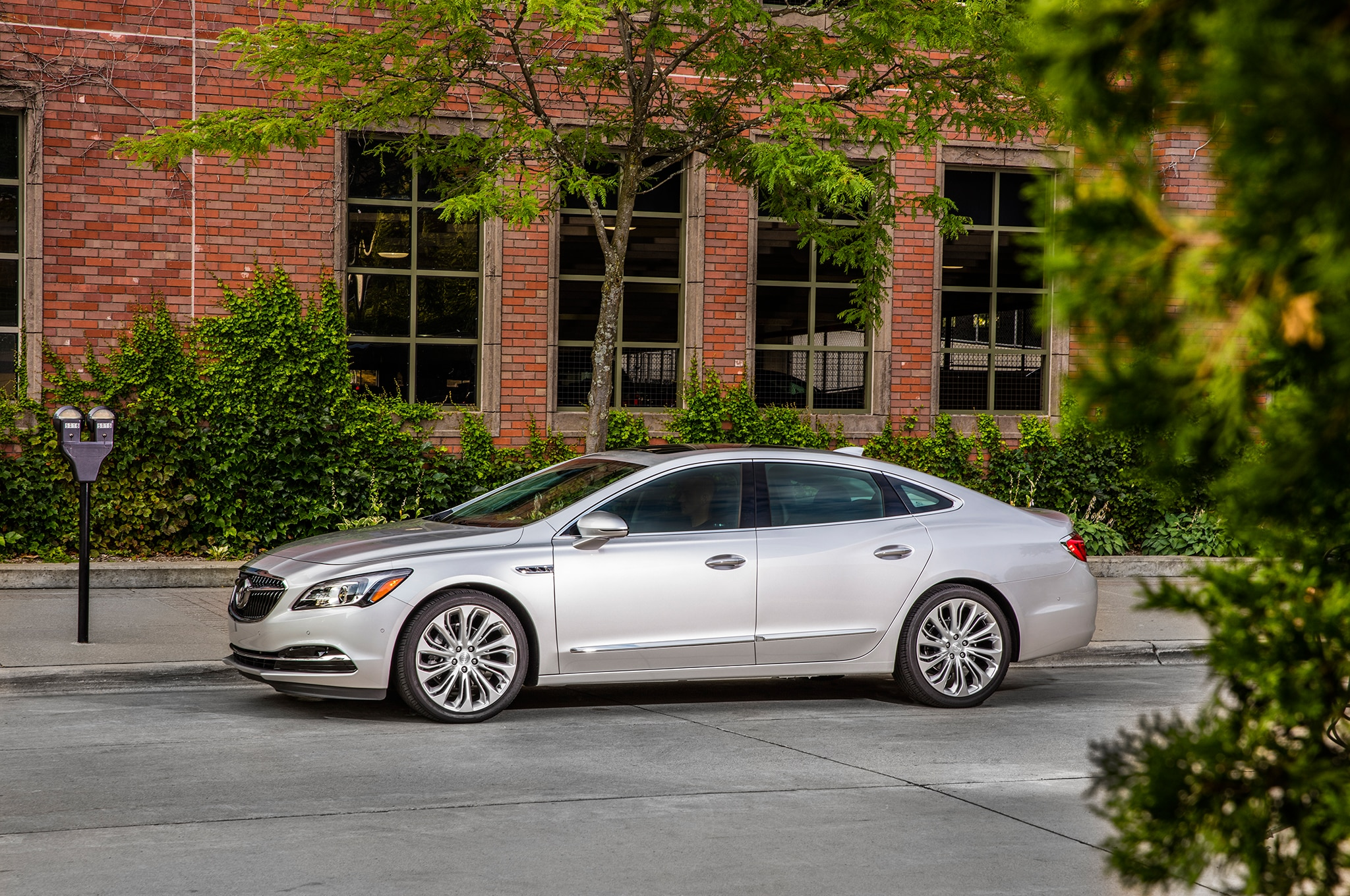 2018 Buick LaCrosse Takes a Walk on the Mild Side with ...