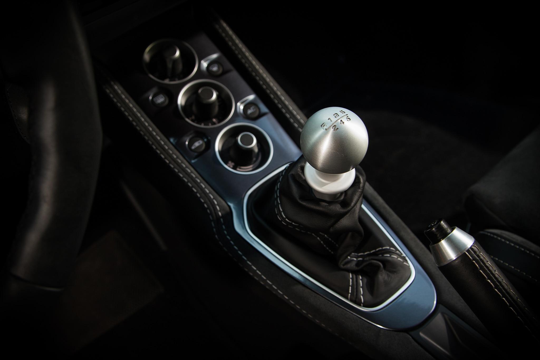 2017 Lotus Evora 400 Gear Shifter 01