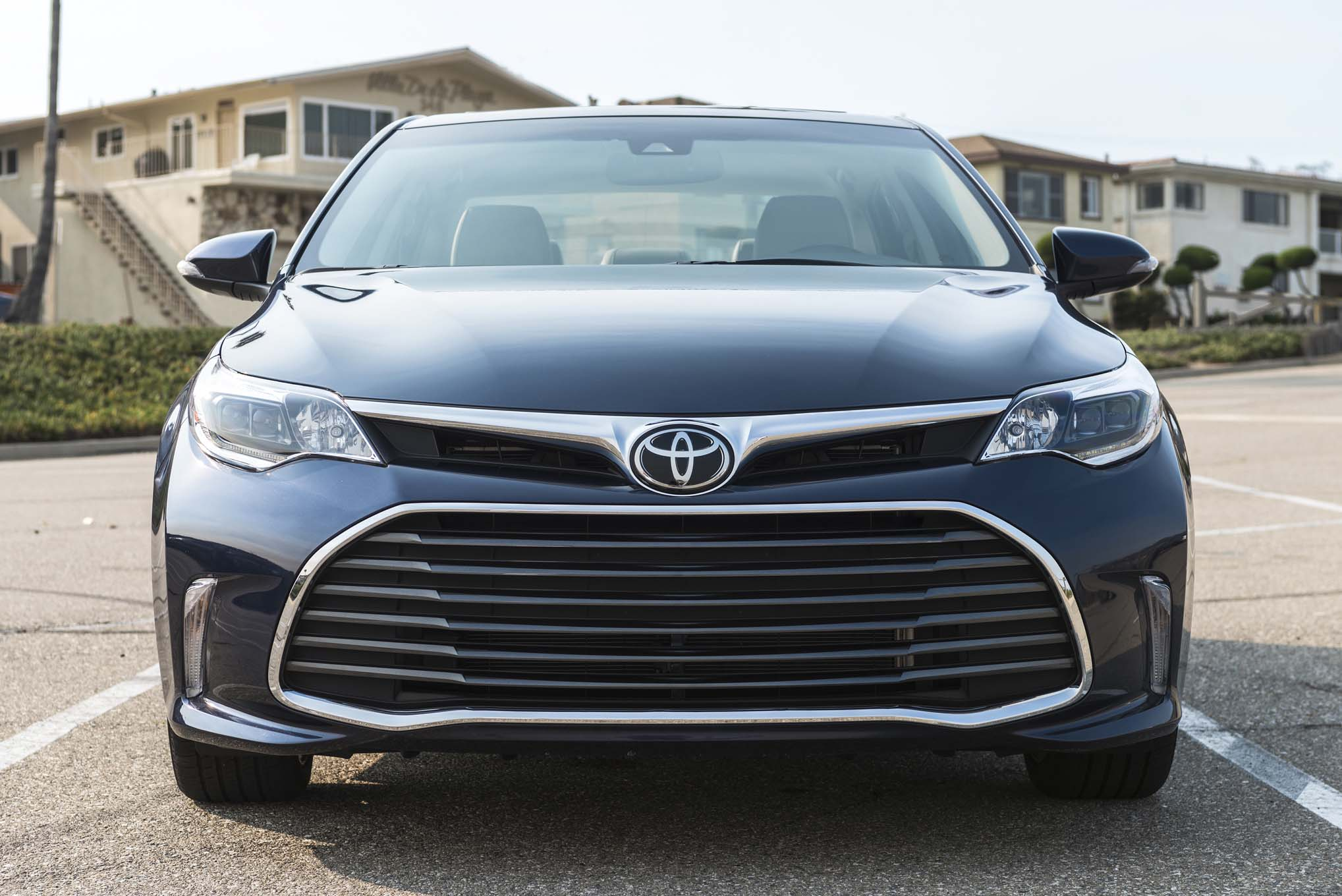 2019 toyota avalon has the light stuff automobile magazine. Black Bedroom Furniture Sets. Home Design Ideas