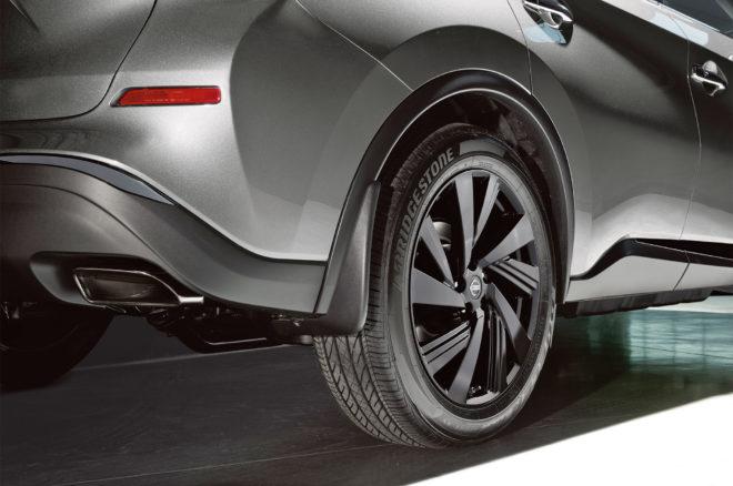 2017 Nissan Murano Platinum Midnight Edition rear wheels