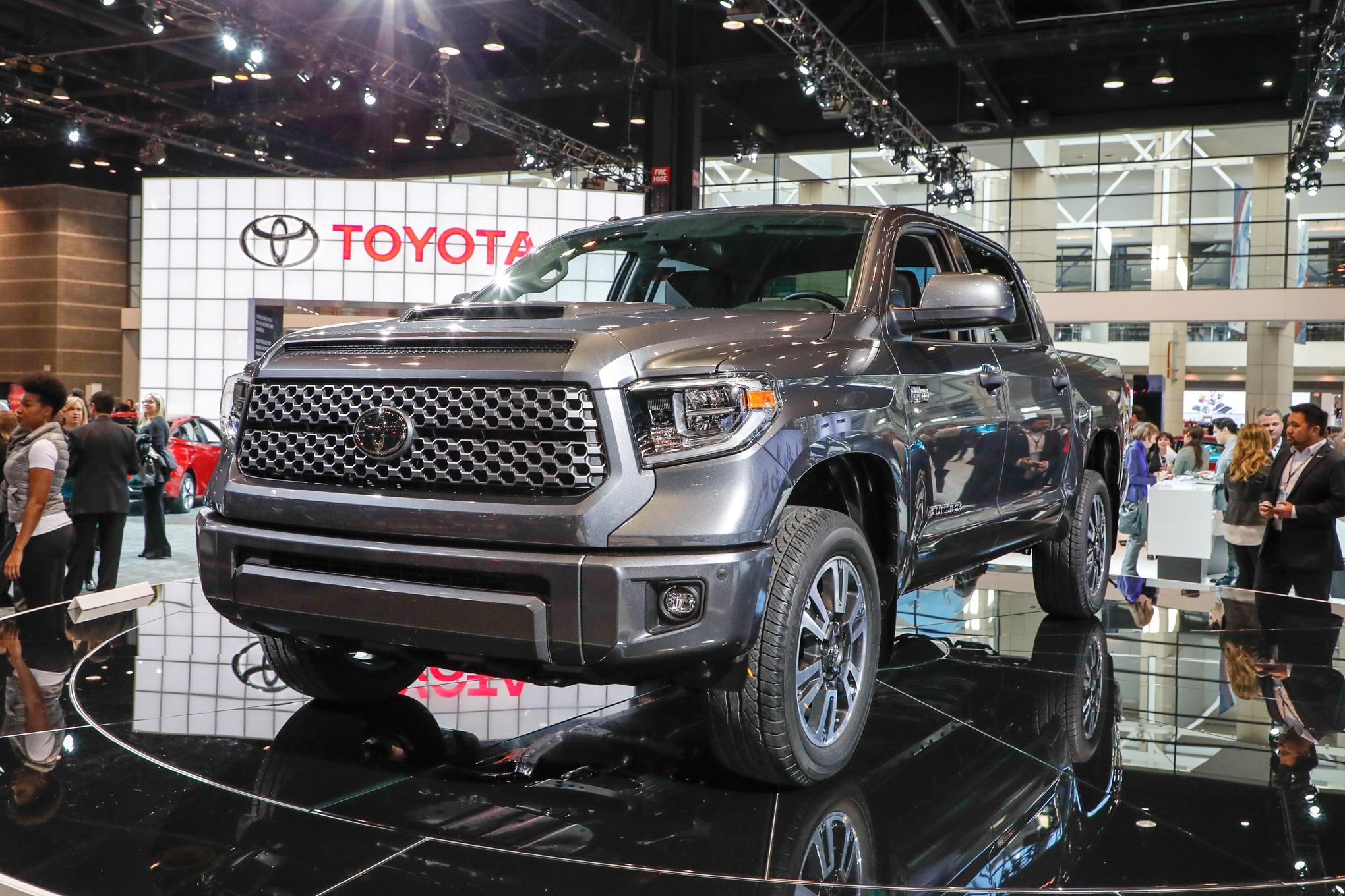 2018 Toyota Tundra TRD Sport Front Three Quarters 1