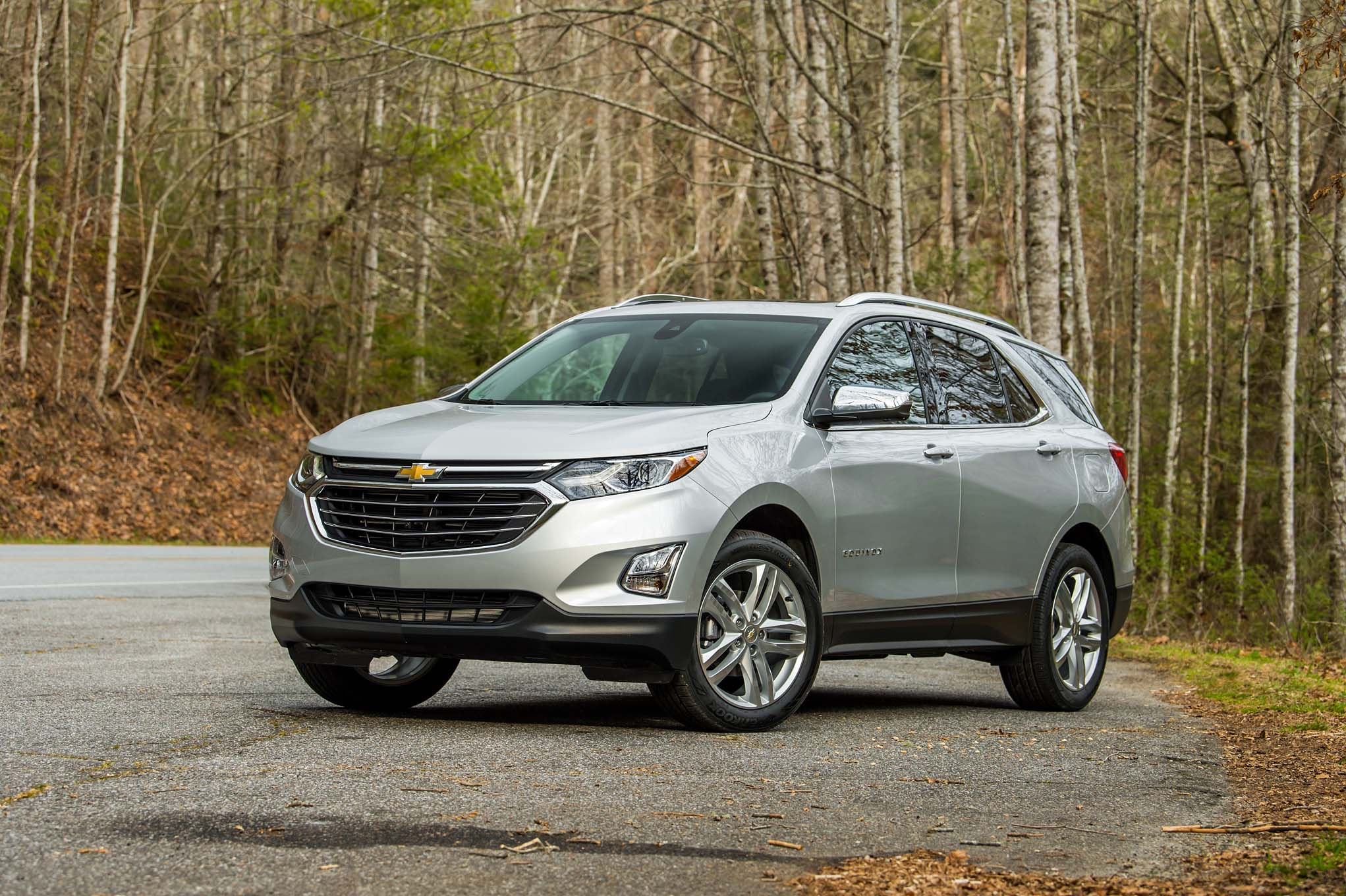 chevrolet equinox diesel claims 577 miles of range. Black Bedroom Furniture Sets. Home Design Ideas