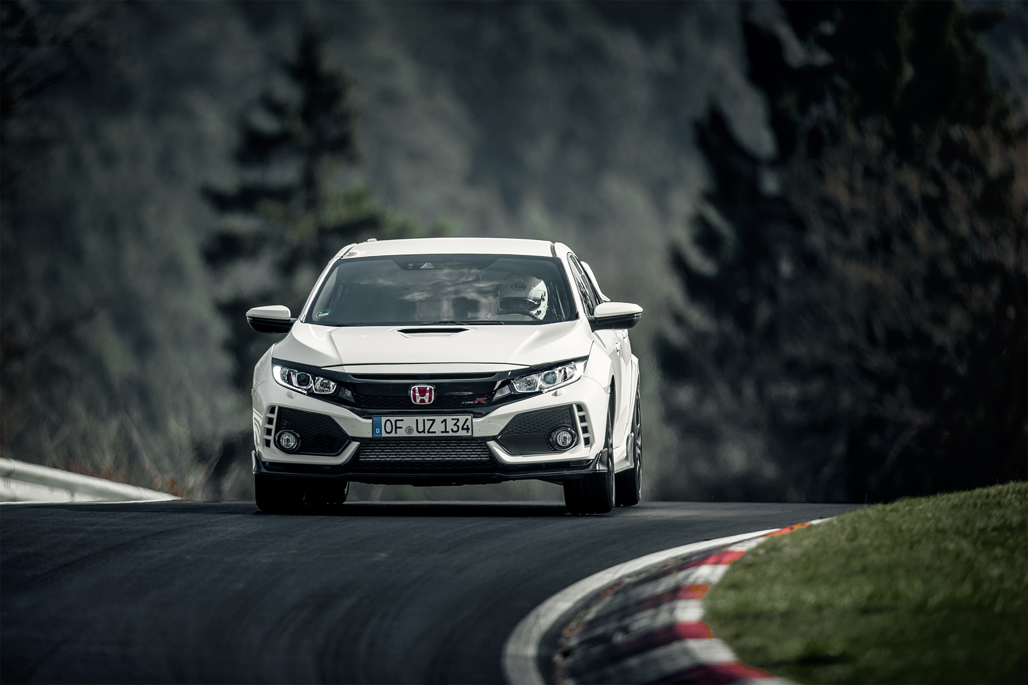 2017 Honda Civic Type R Front View In Motion 02