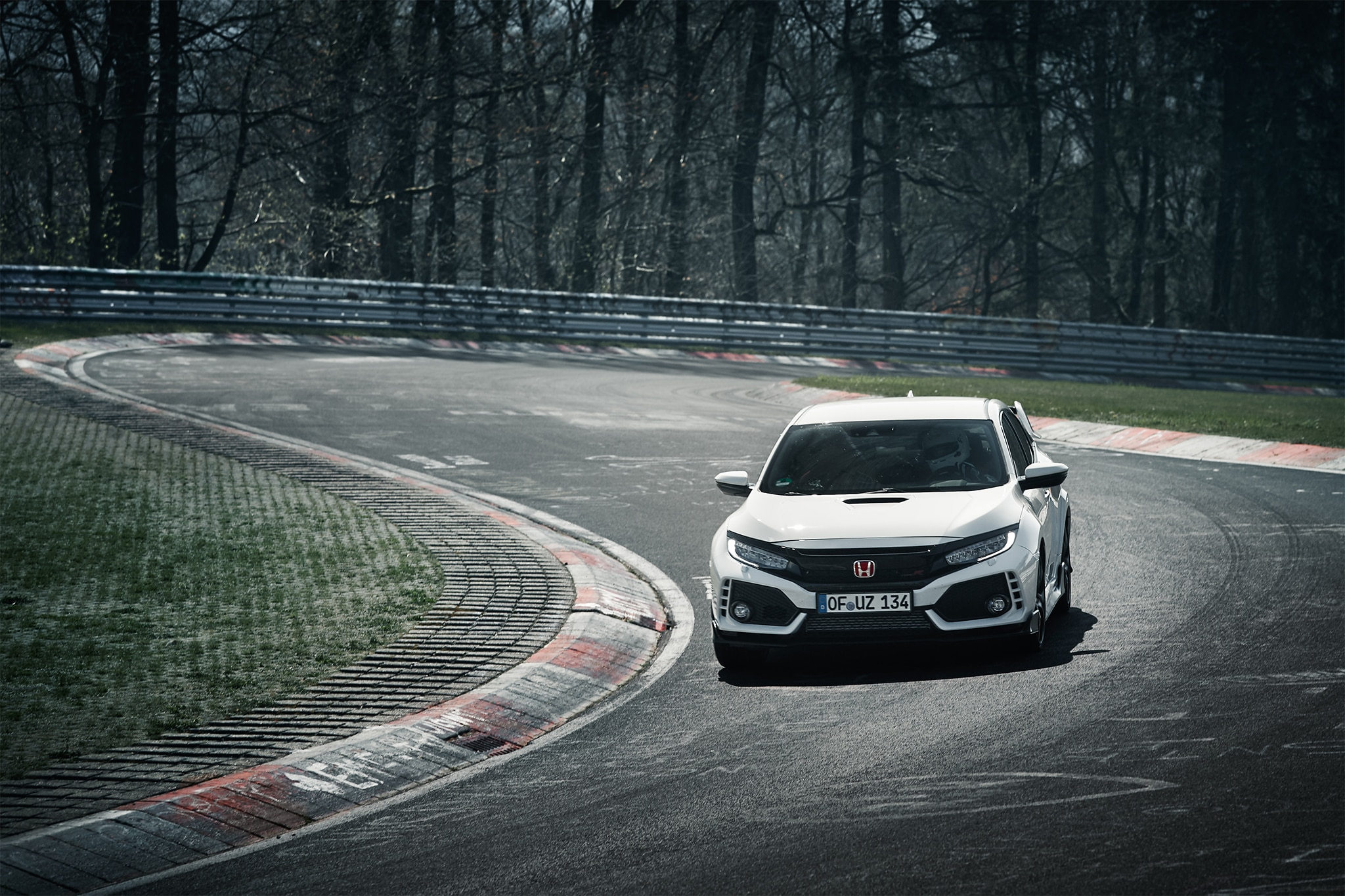 2017 Honda Civic Type R Front View In Motion 03