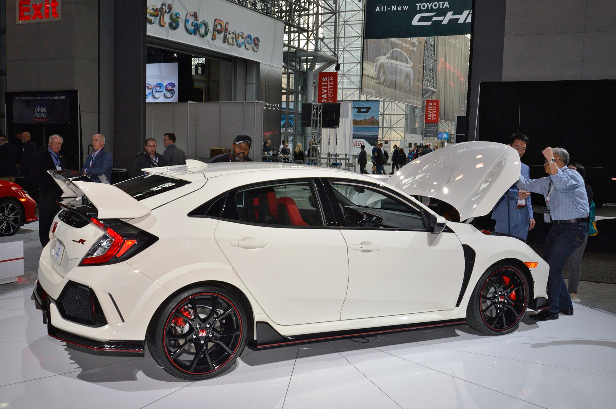 2017 Honda Civic Type R Rear Three Quarter