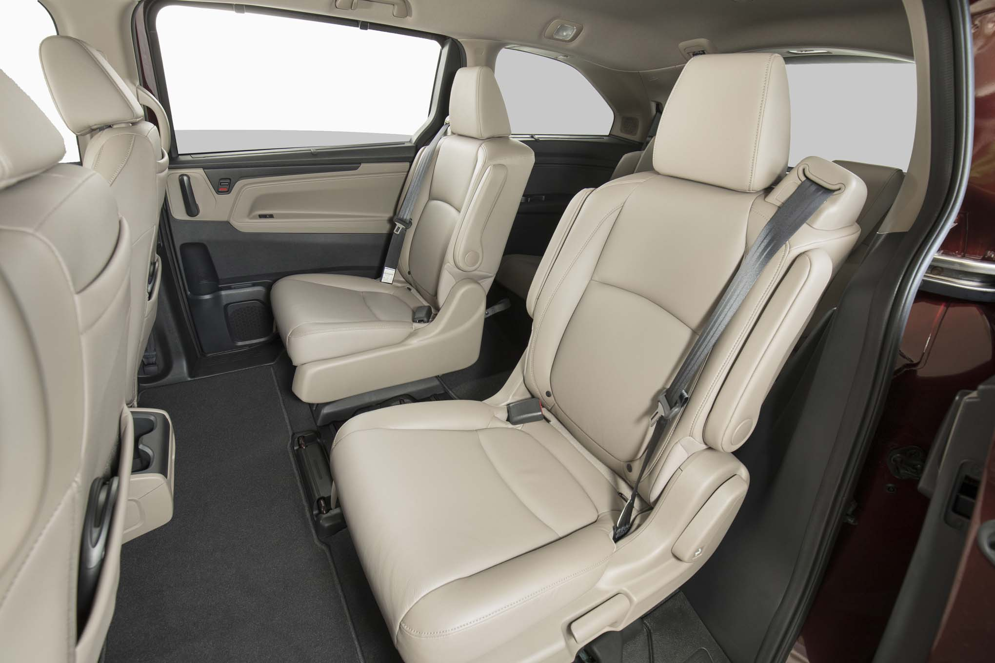 2018 honda odyssey priced from 30 890 automobile magazine. Black Bedroom Furniture Sets. Home Design Ideas