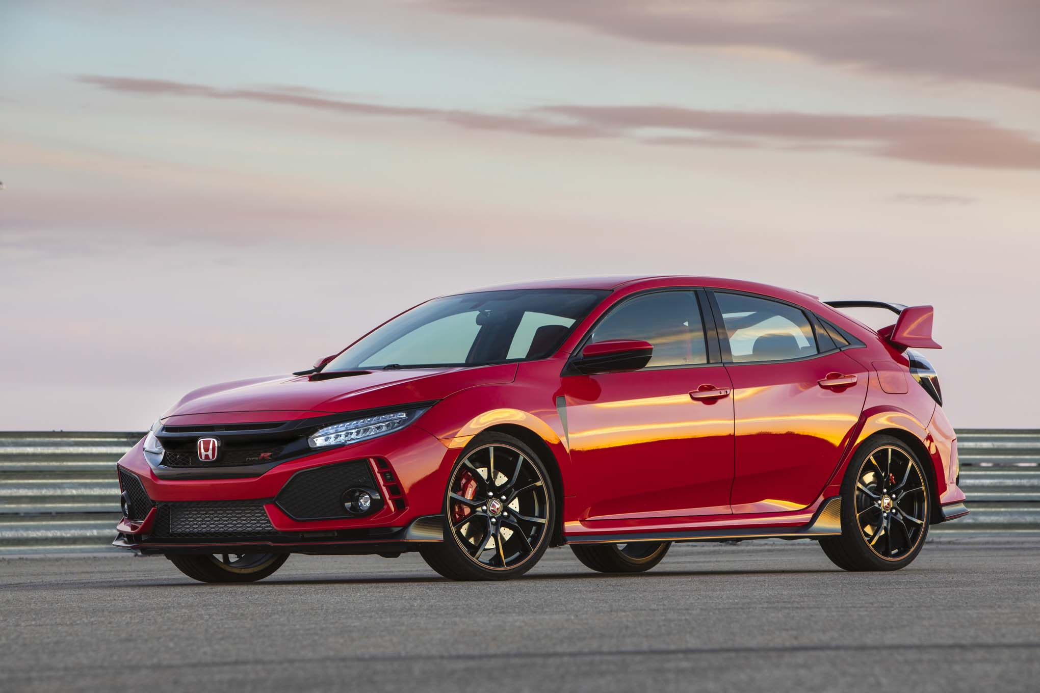 the honda civic type r on sale now priced at 34 775 automobile magazine. Black Bedroom Furniture Sets. Home Design Ideas
