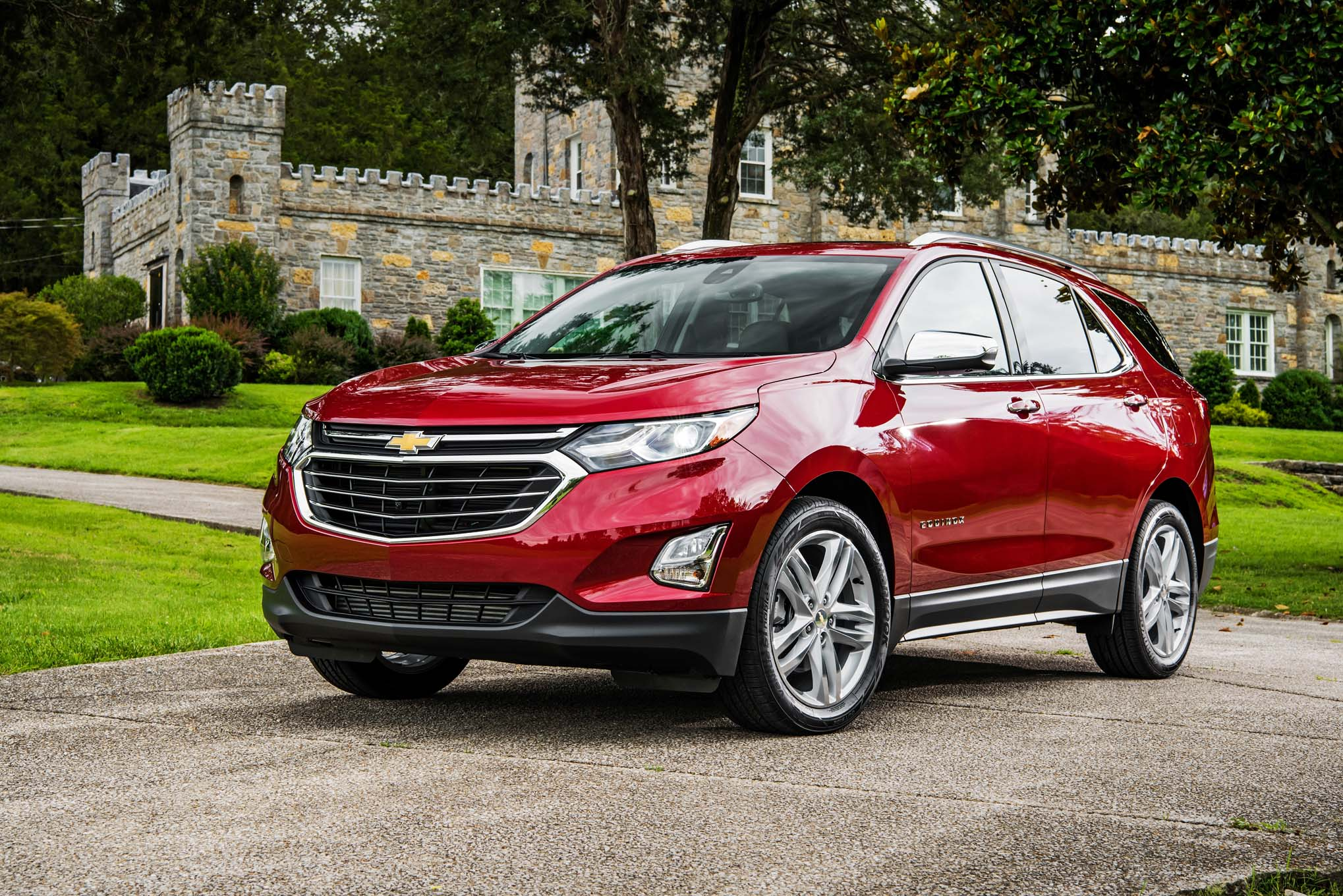 chevrolet equinox diesel claims 577 miles of range automobile magazine. Black Bedroom Furniture Sets. Home Design Ideas