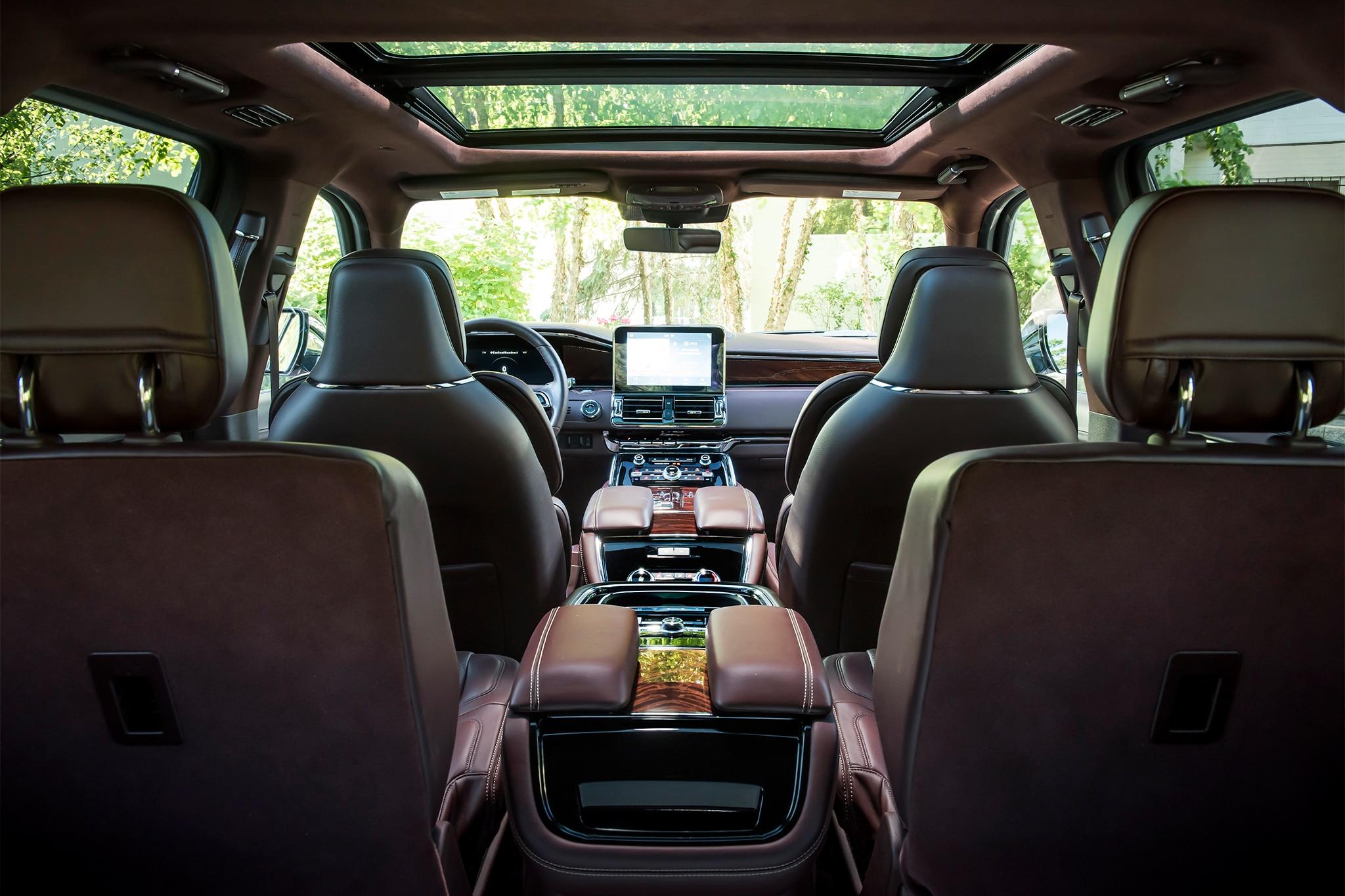 Long-Wheelbase 2018 Lincoln Navigator Offers Extra 15 ...