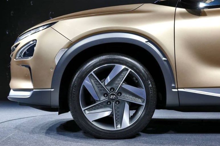 2018 hyundai fuel cell. contemporary hyundai the new model borrows certain design elements from hyundaiu0027s fe fuel cell  concept which was revealed in march not only does it feature the same rounded  throughout 2018 hyundai