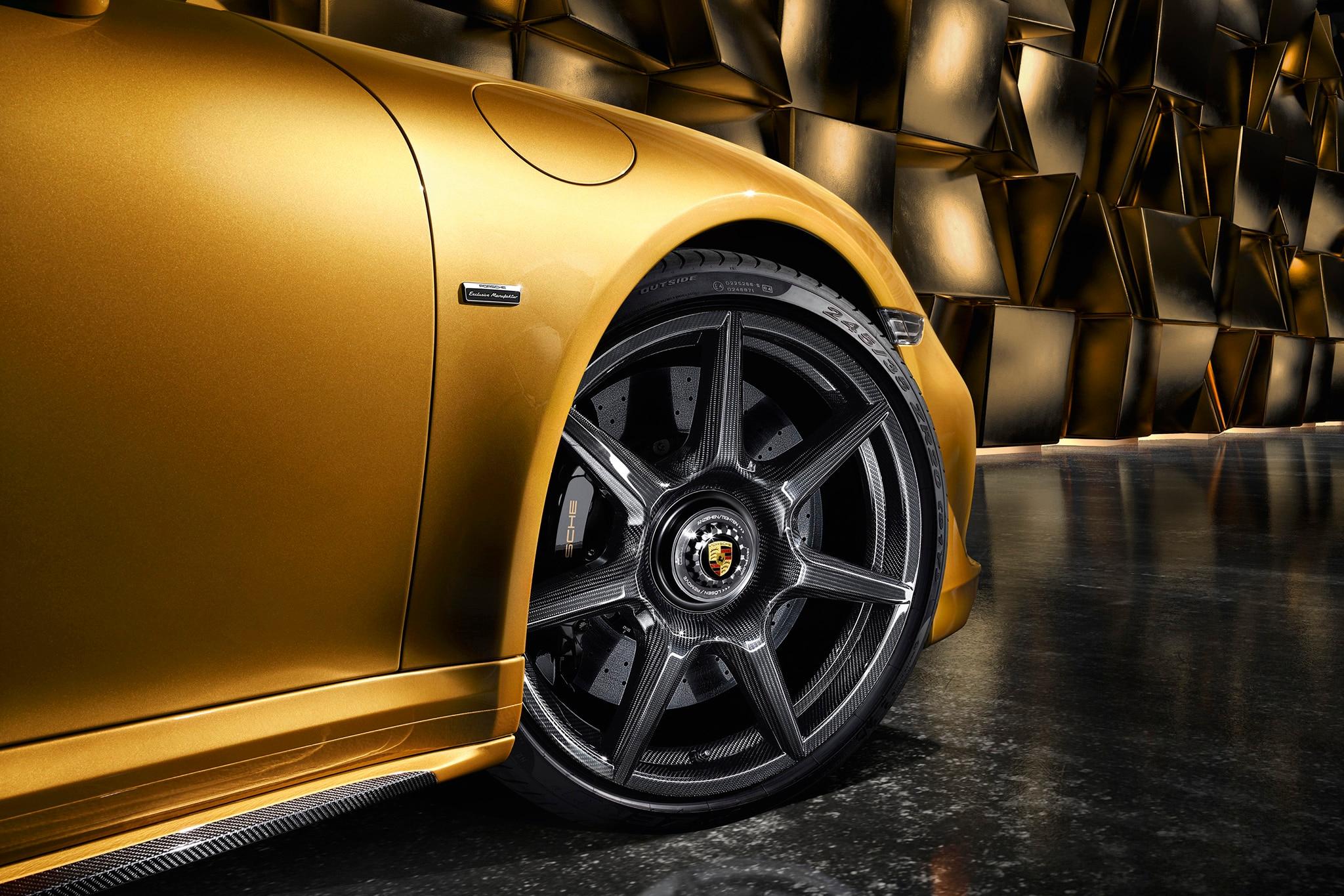 2018 porsche 911 gt2 rs revealed at goodwood automobile. Black Bedroom Furniture Sets. Home Design Ideas