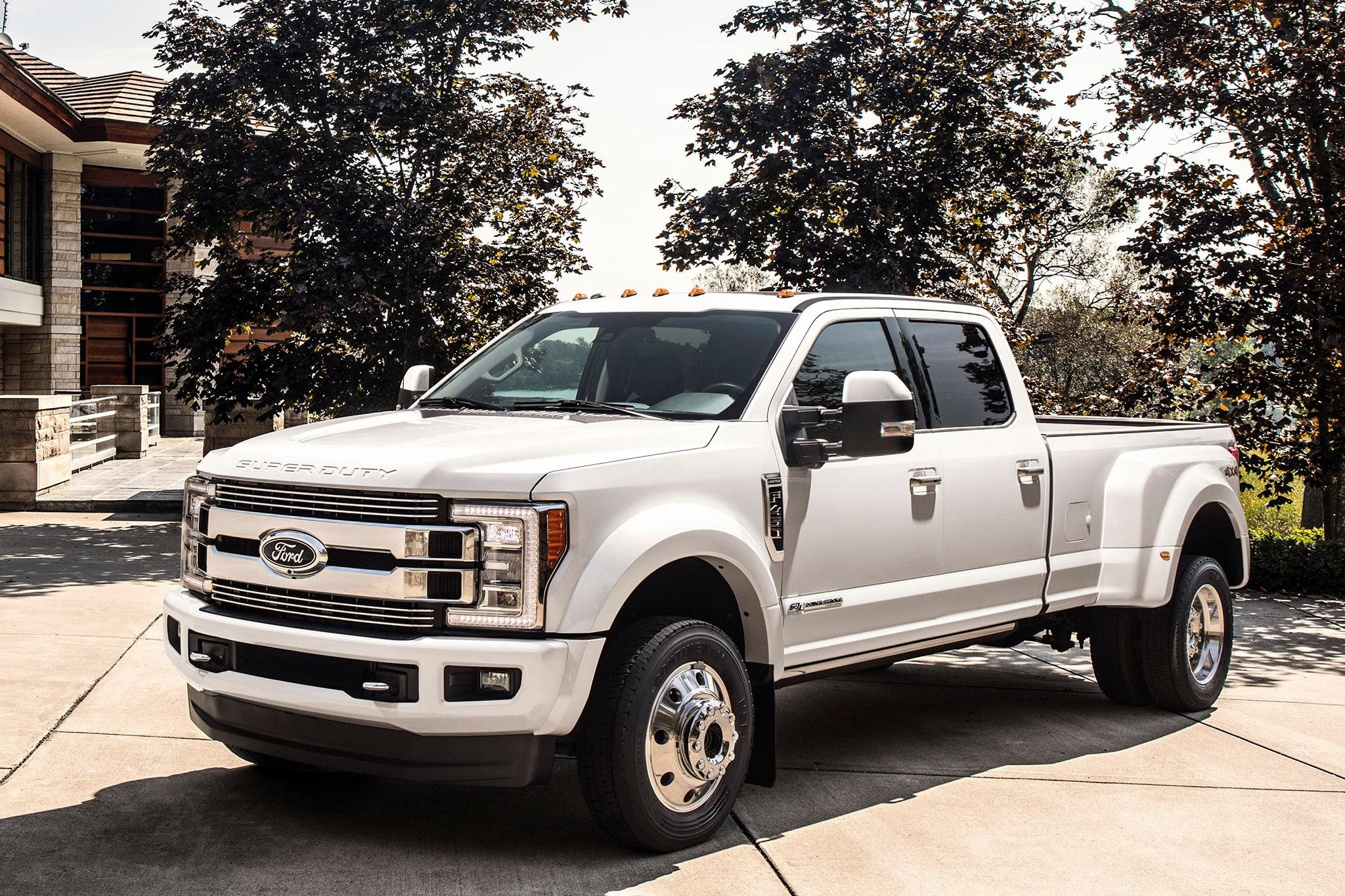 ford f series super duty trucks get super fancy automobile magazine. Black Bedroom Furniture Sets. Home Design Ideas