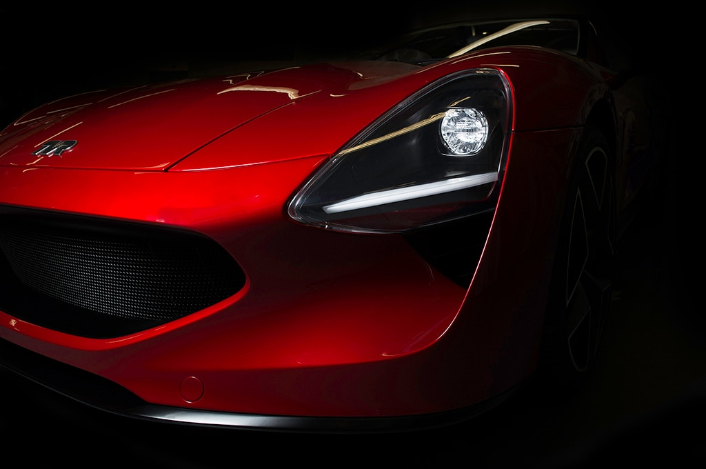 british sports car maker tvr finally reveals the griffith automobile magazine. Black Bedroom Furniture Sets. Home Design Ideas