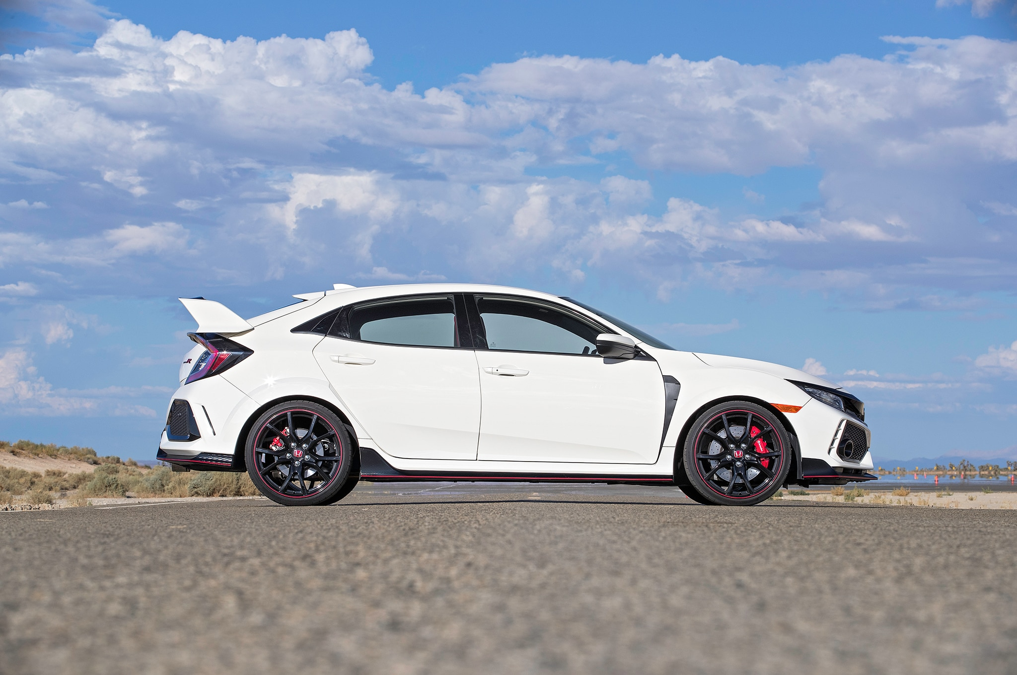 honda civic type r gets small price hike for 2018 automobile magazine. Black Bedroom Furniture Sets. Home Design Ideas