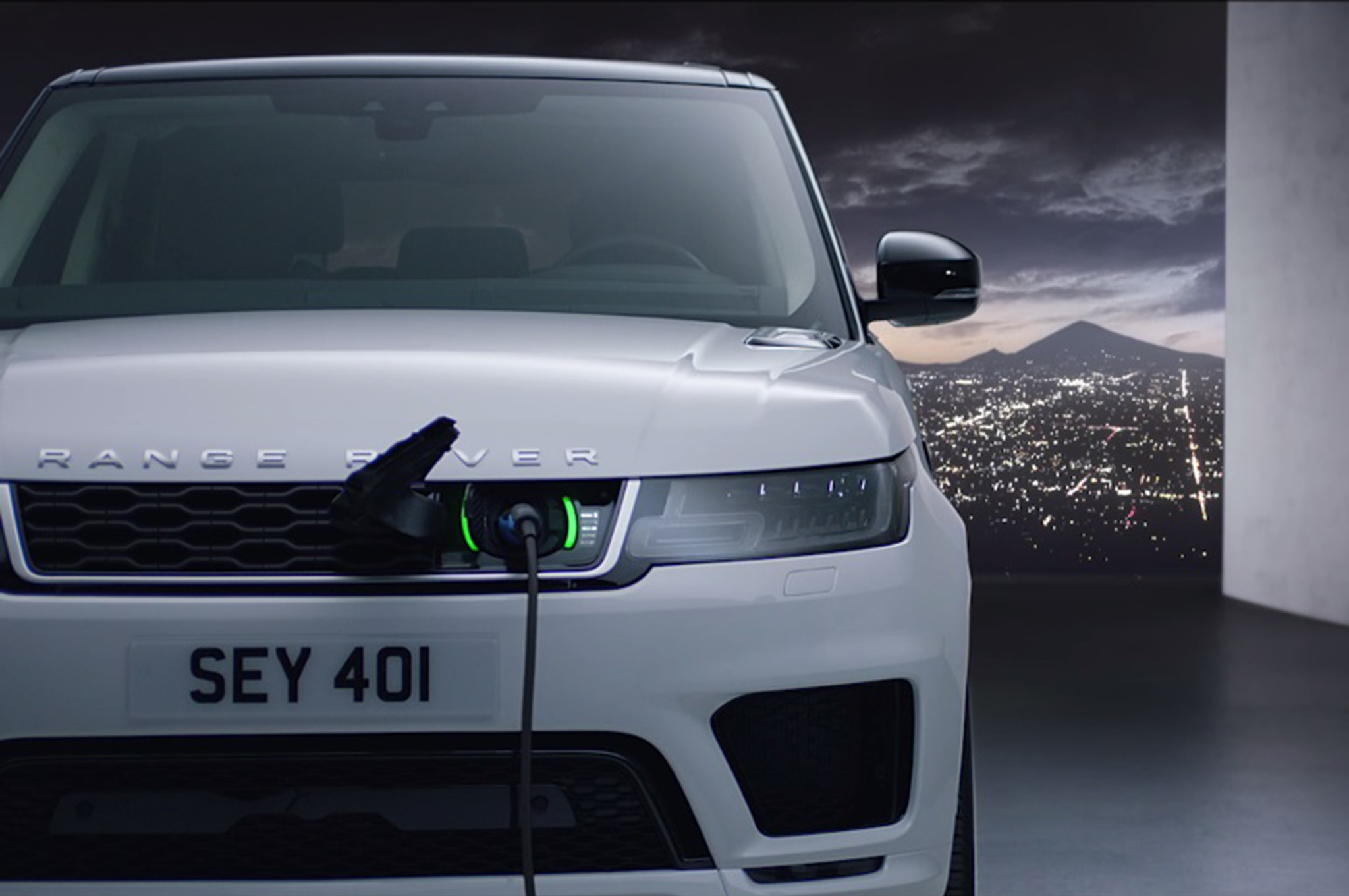 Range Rover Sport Gets an Update and a PHEV Version – Move Ten
