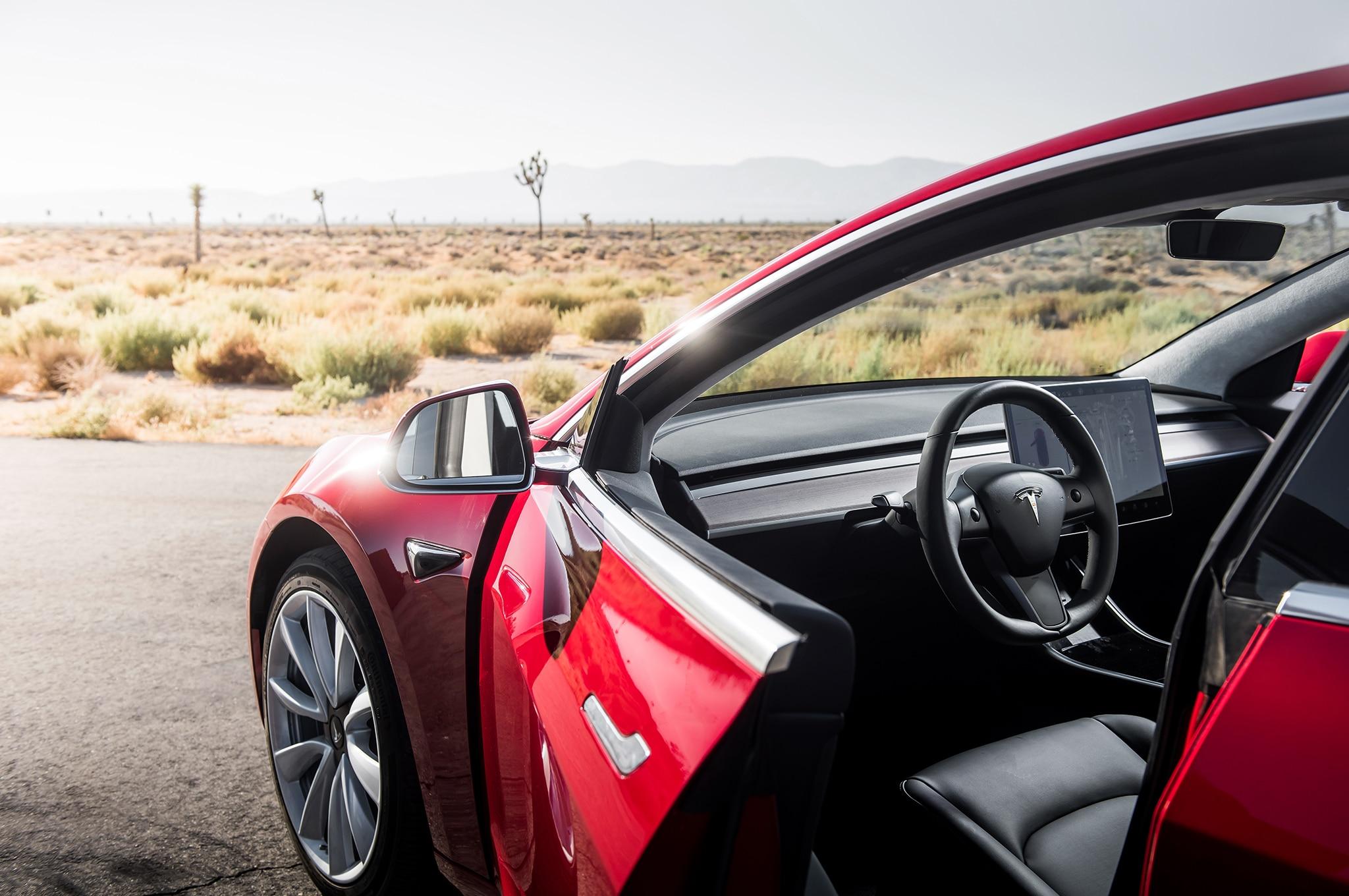 U.S. regulators begin Tesla crash investigations
