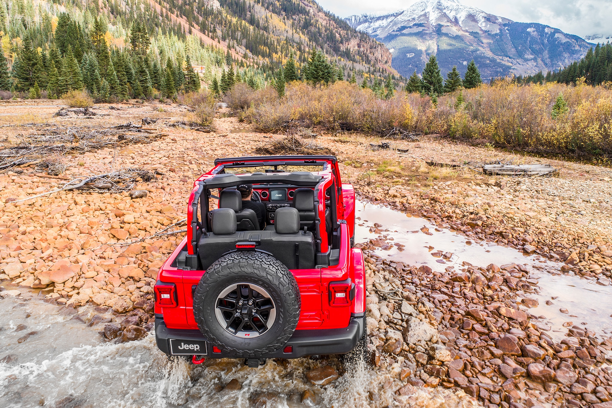 2018 Jeep Wrangler Rear View In Motion 05