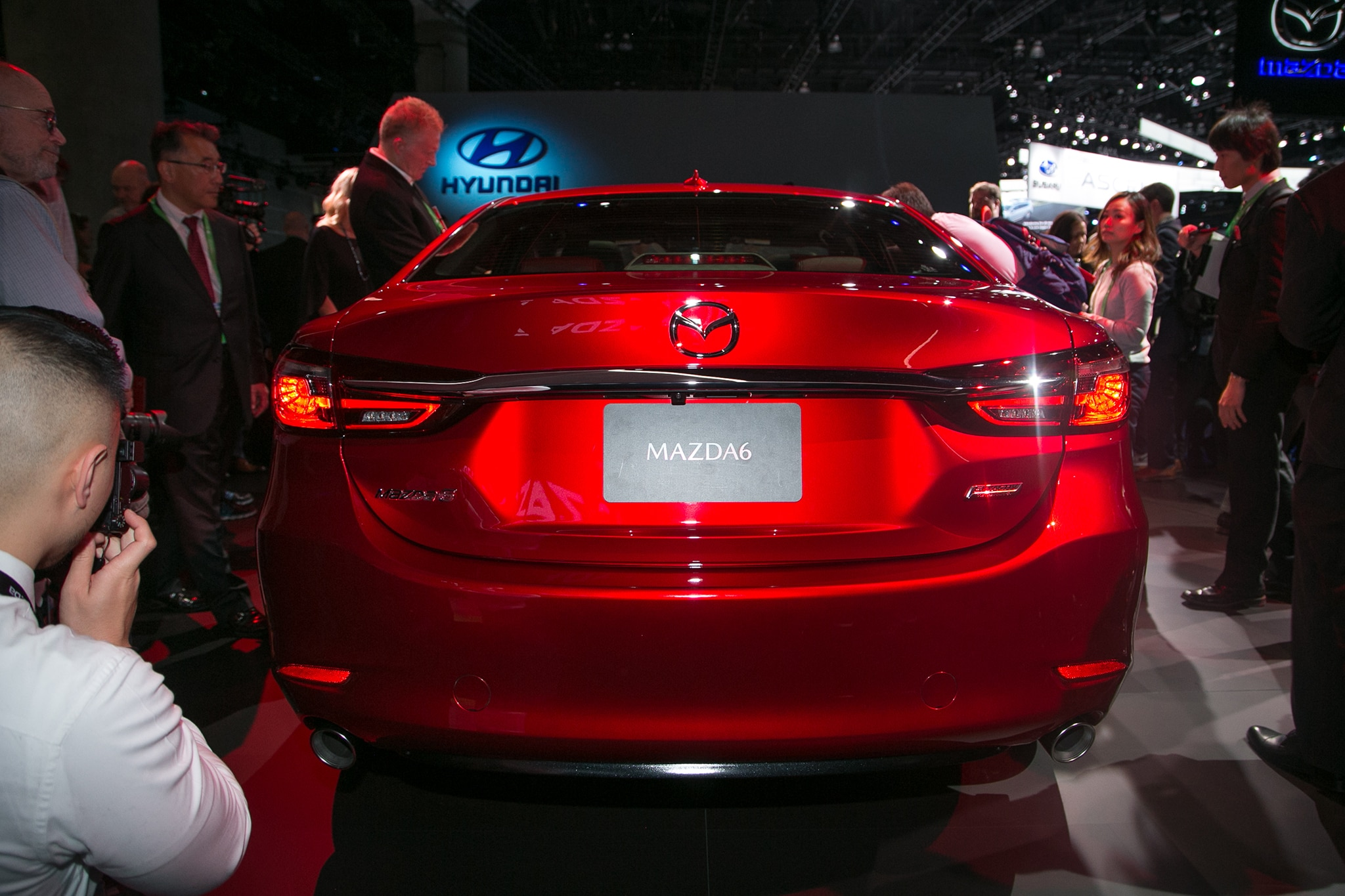 http://st.automobilemag.com/uploads/sites/5/2017/11/2018-Mazda6-rear.jpg
