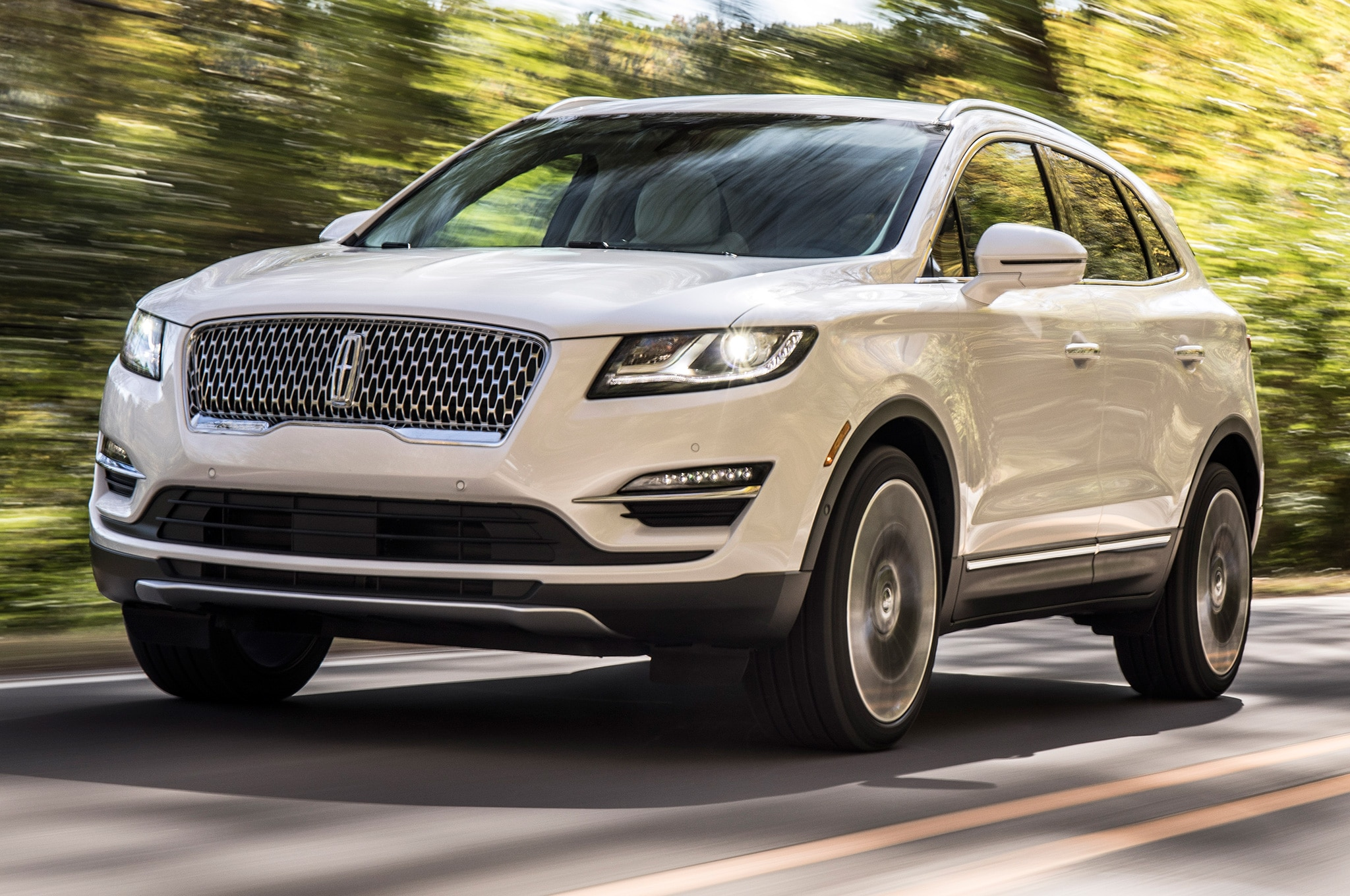 Lincoln MKC offers up new grille, new safety systems