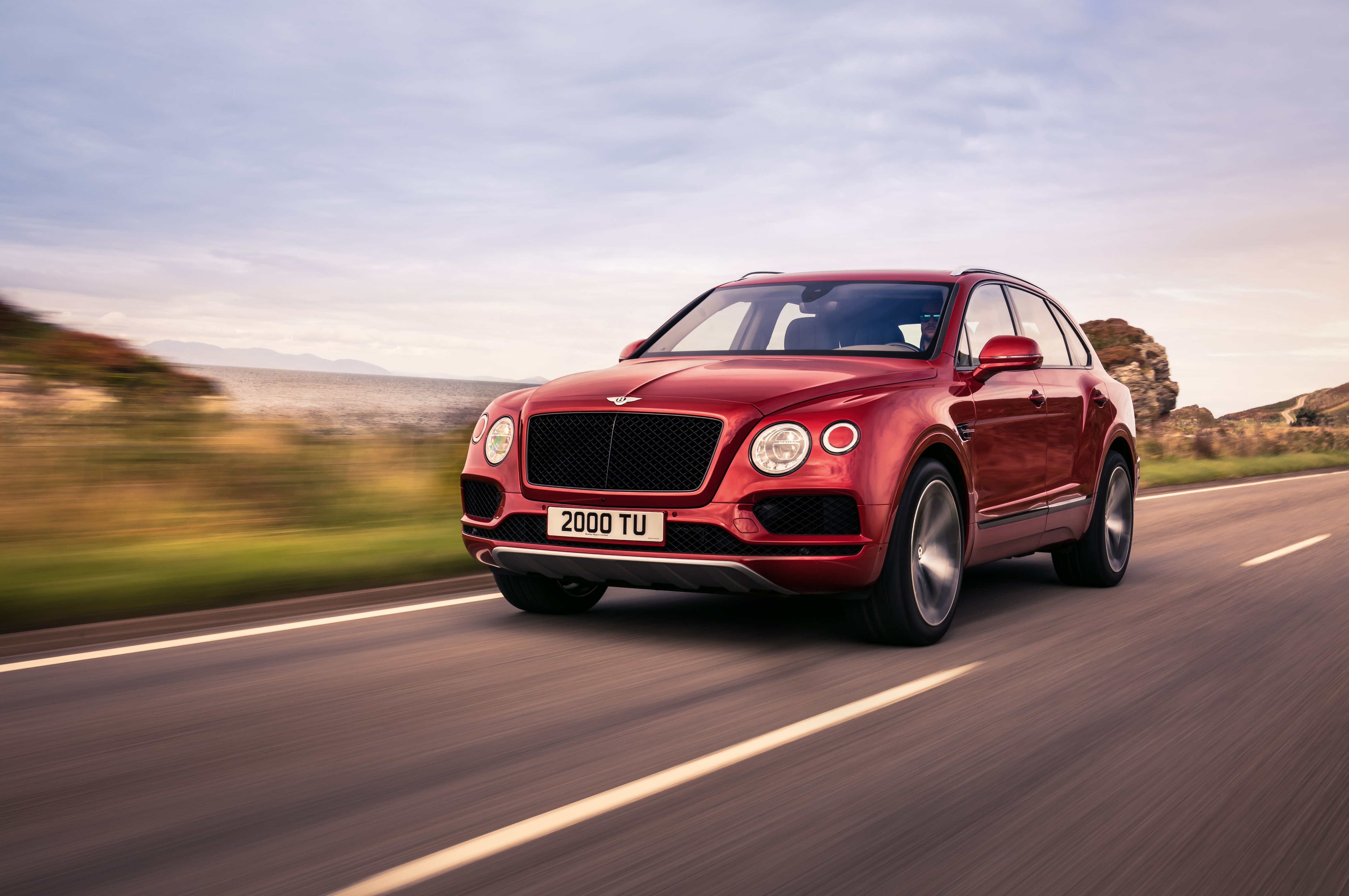 Bentley Bentayga V8 Front Three Quarters