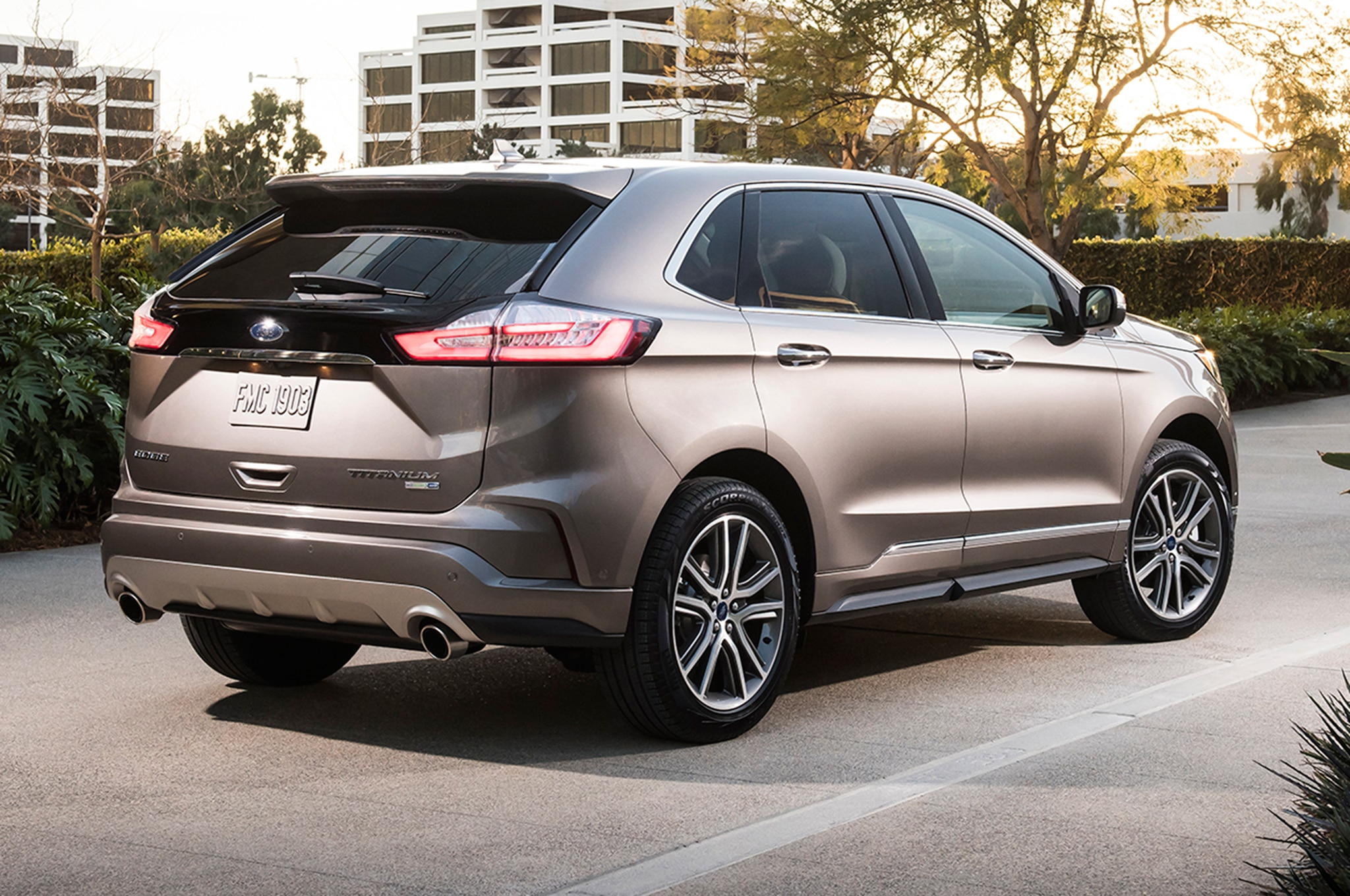 2019 ford edge titanium elite package debuts in chicago. Black Bedroom Furniture Sets. Home Design Ideas