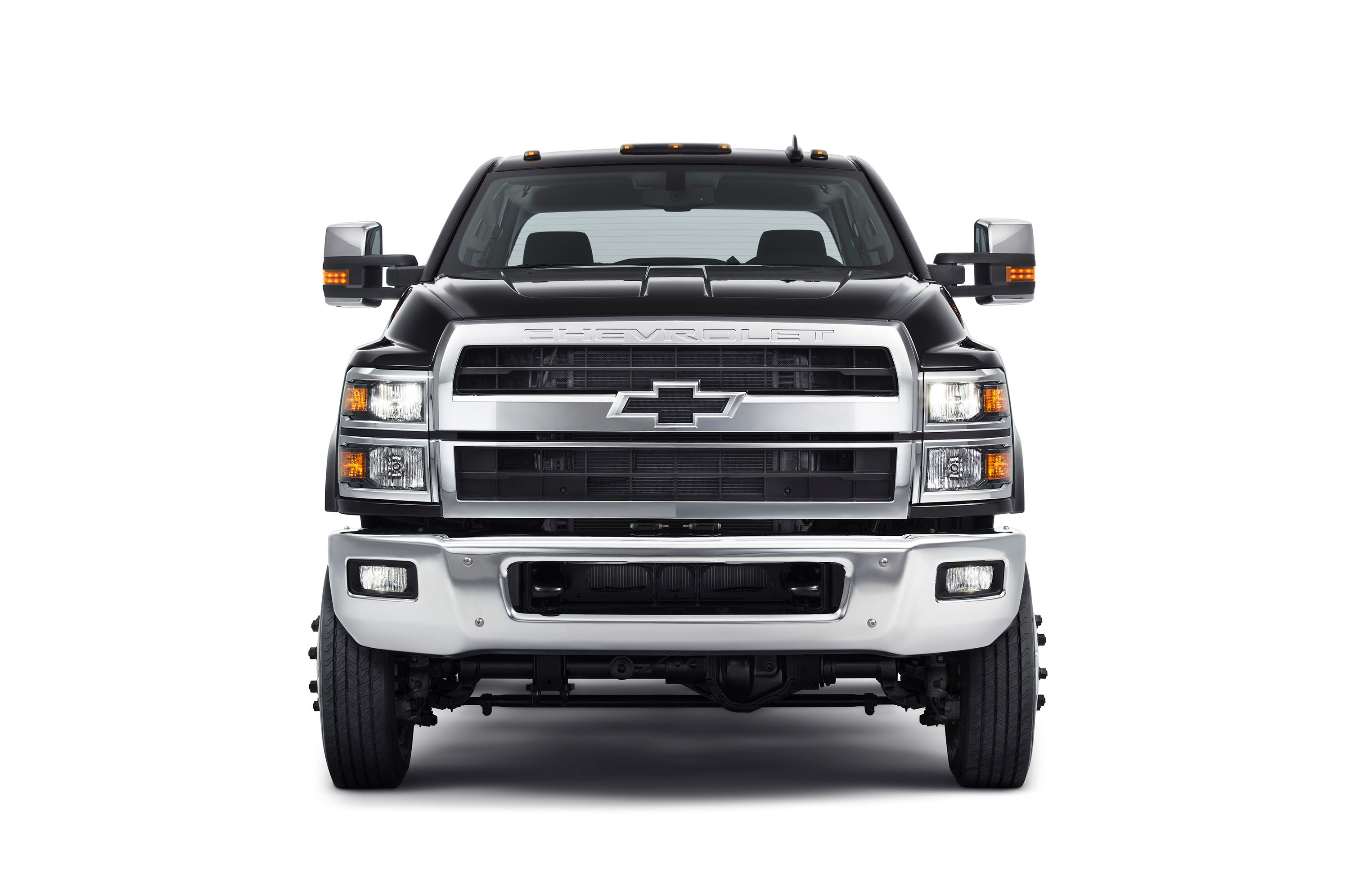 Chevrolet Returns to Medium-Duty Class With Monster-Duty Chassis Cab