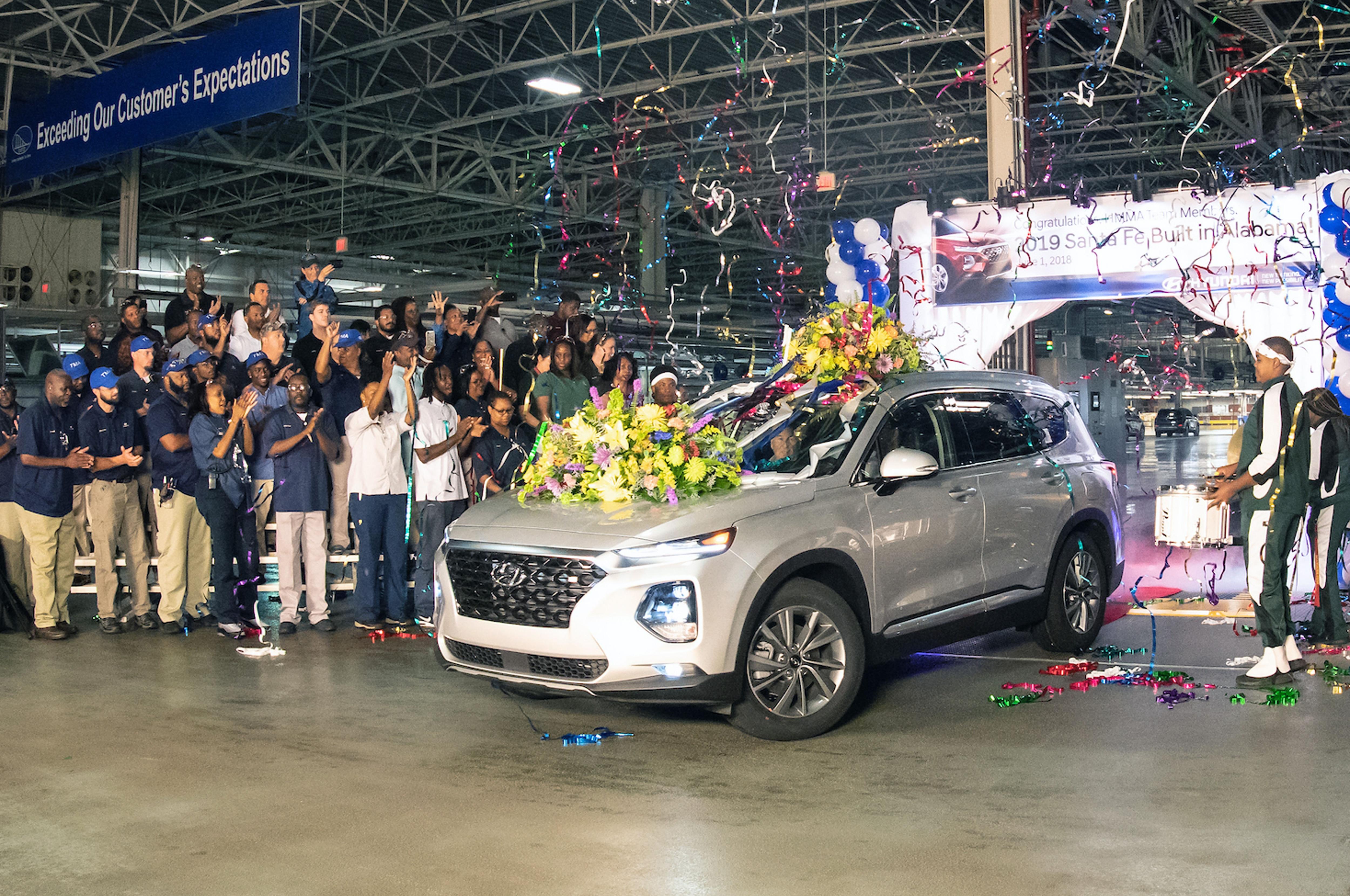 2019-Hyundai-Santa-Fe-production-Alabama