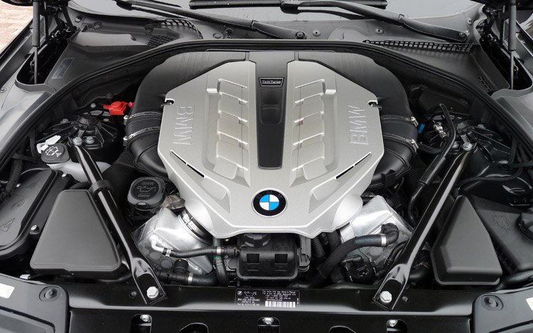 2012 BMW 528i Switches to More Powerful, More Efficient 2 0