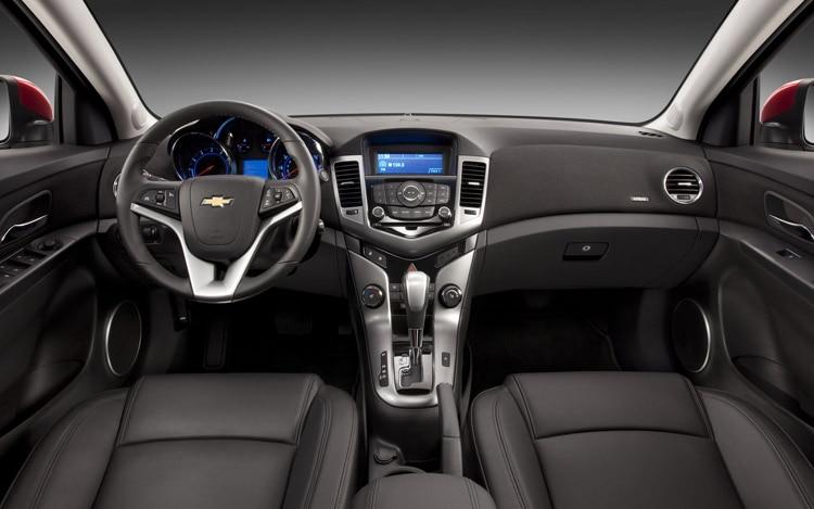 2011 Chevrolet Cruze. 68|157