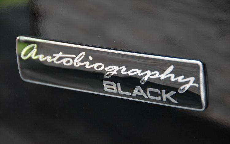 https://st.automobilemag.com/uploads/sites/10/2015/09/2011-land-rover-range-rover-autobiography-black-badge.jpg