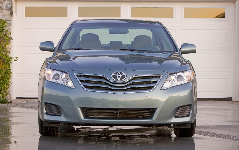 2011 Toyota Camry XLE - Automobile Magazine