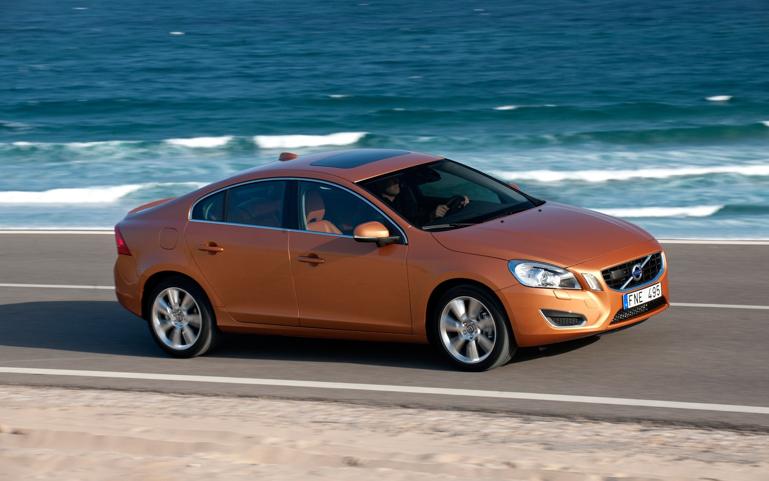 Recall Central Volvo Recalls S40 S60 V50 Xc60 For Seat Flaw