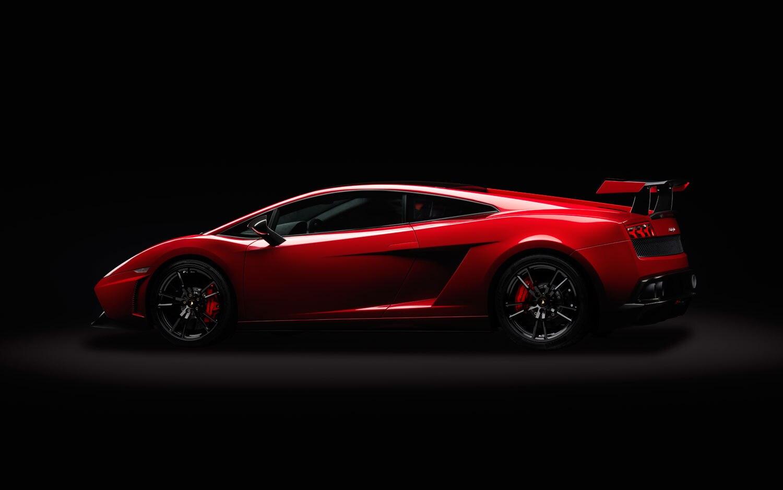 Lamborghini Promises New Gt3 Racecar This Year Celebrates With Aventador Roadster Stunt