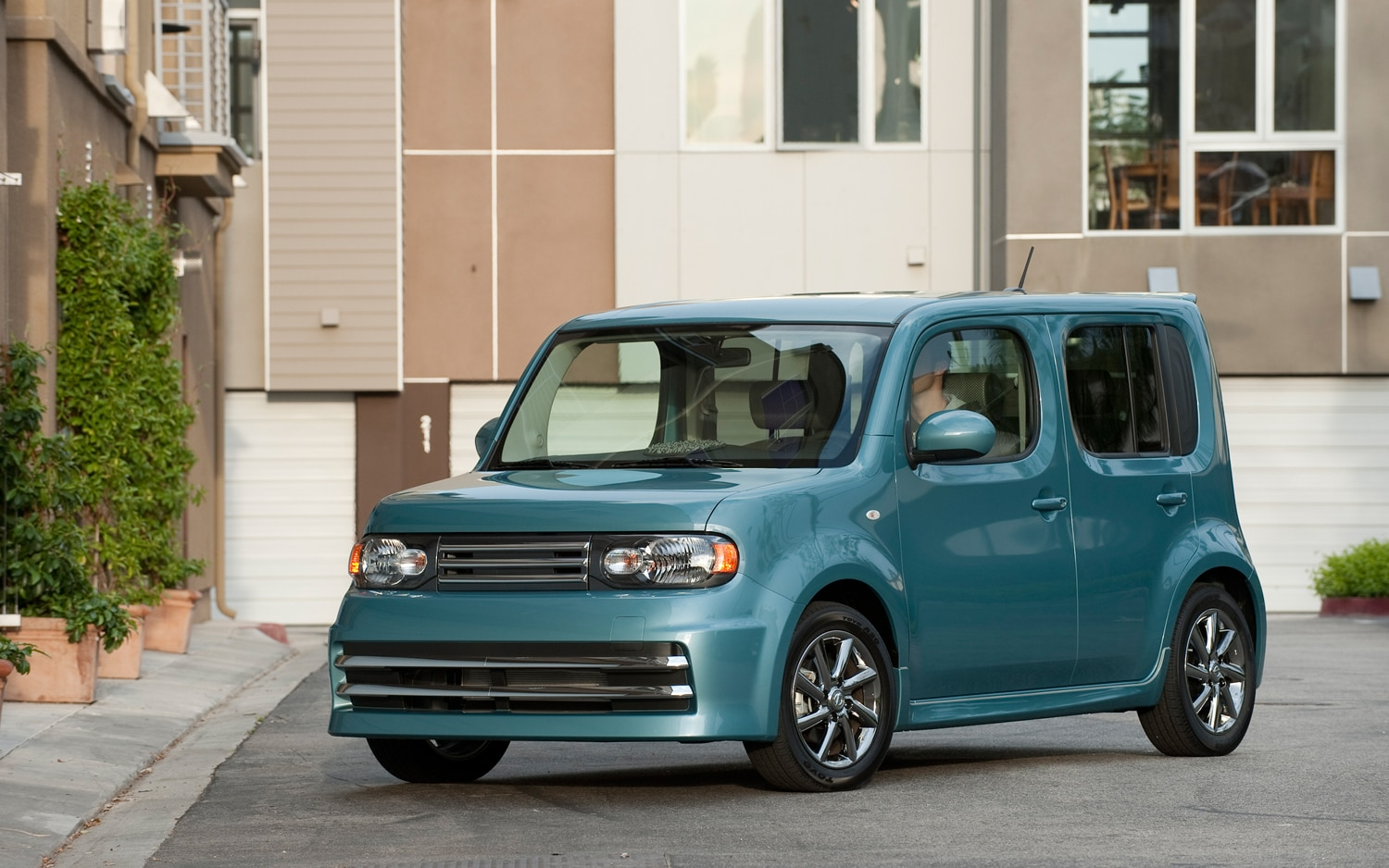 Nissan Cube Electric Vehicle Fuel Efficient Cars Hybrids And Ev Engine Diagram 2012 Front Three Quarter 1