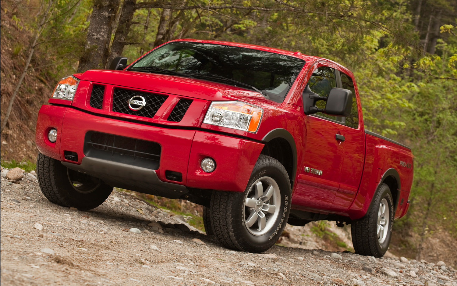 next nissan titan won 39 t arrive until 2014 model year. Black Bedroom Furniture Sets. Home Design Ideas