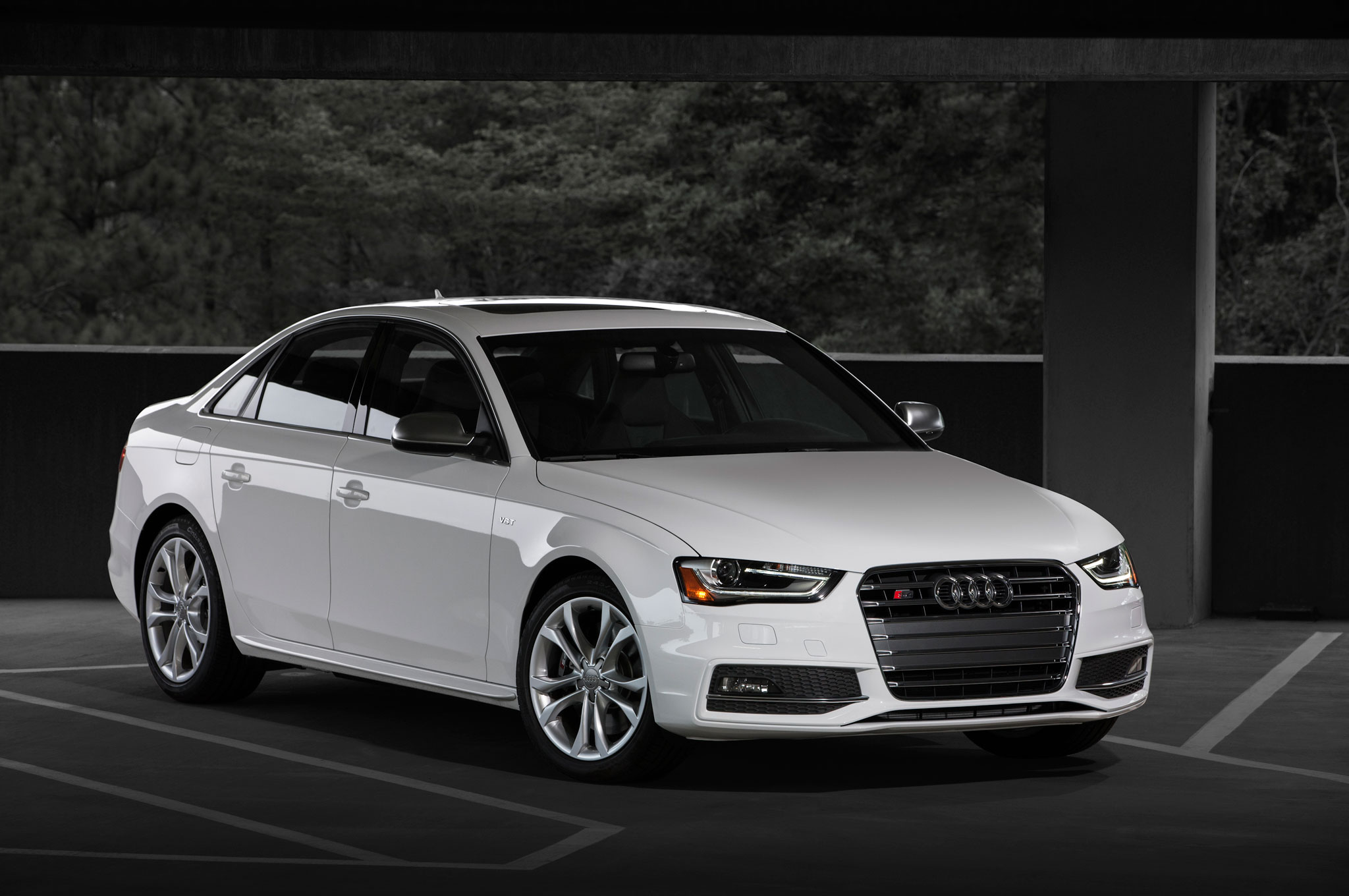 Feature Flick Putting The 2014 Audi S4 Through Its Paces